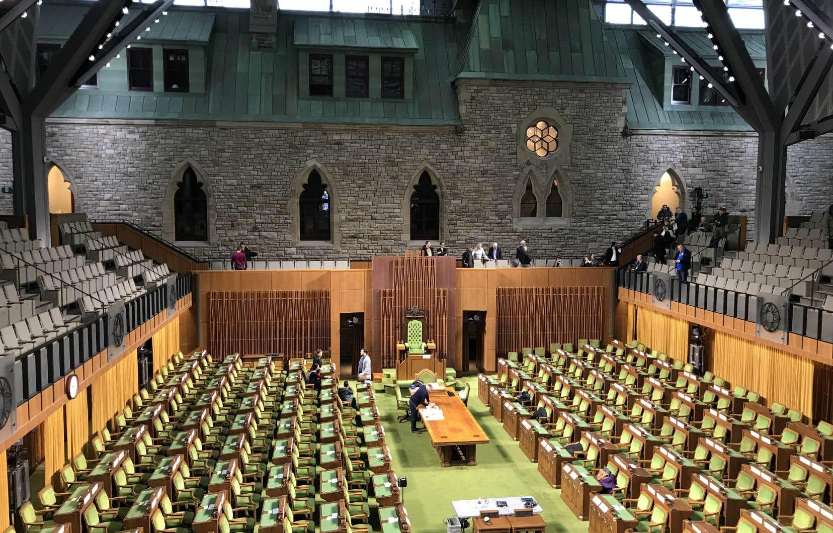 Les principaux partis présents à Ottawa se dirigent vers un ratio hommes-femmes identique à celui enregistré en 2015.