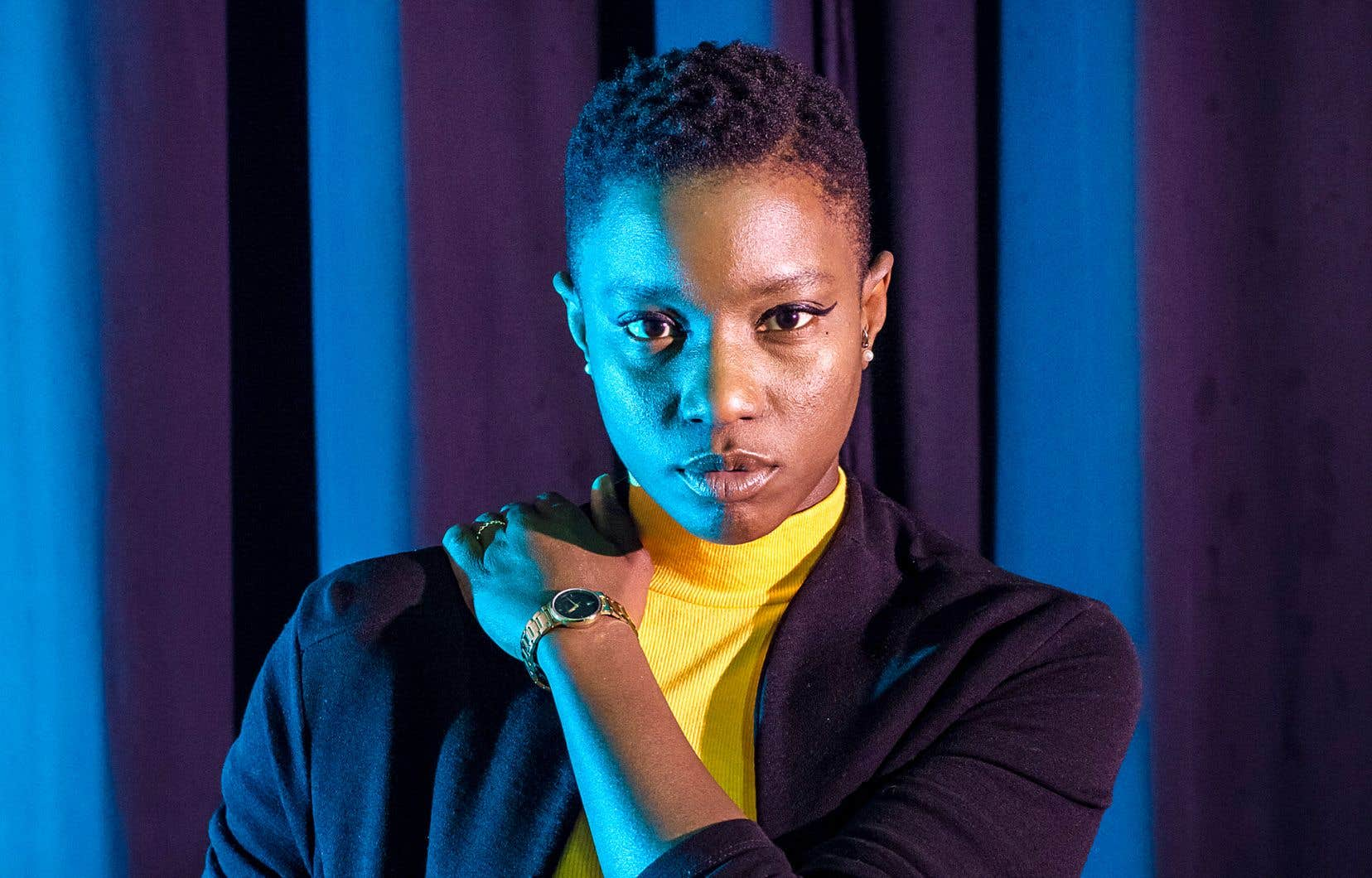 «Irréversible» est le second album en dix ans de carrière de Sarahmée, un disque dense et dansant qui, en trame de fond, redéfinit le style de la musicienne à coup de rimes dures, de basses trap et de rythmes afrobeat.