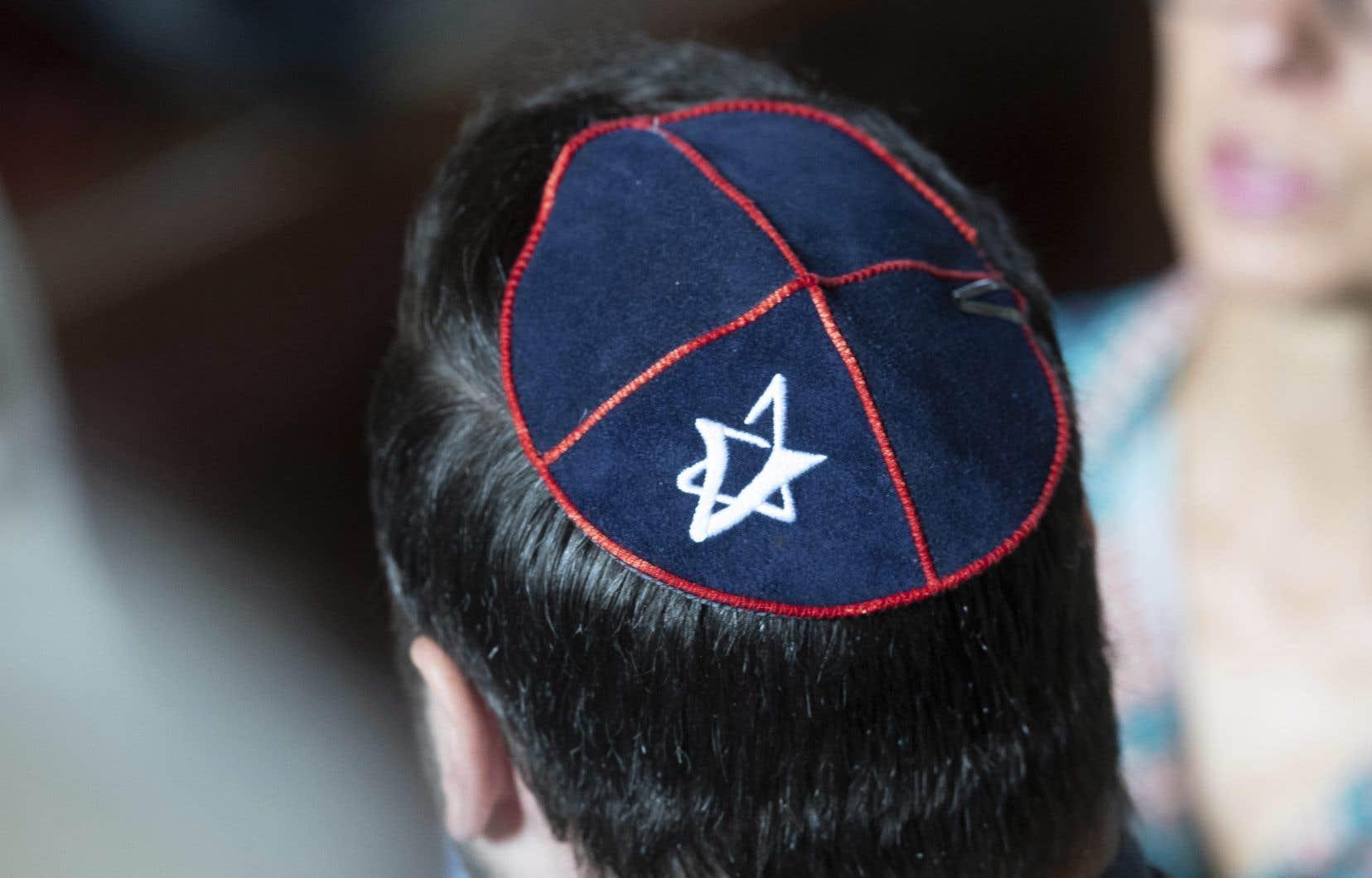 Pour la communauté juive, se dresser contre le projet de loi «est d'abord et avant tout une question de principe plus qu'une question de répercussion concrète dans la vie de tous les Juifs»,<span style=