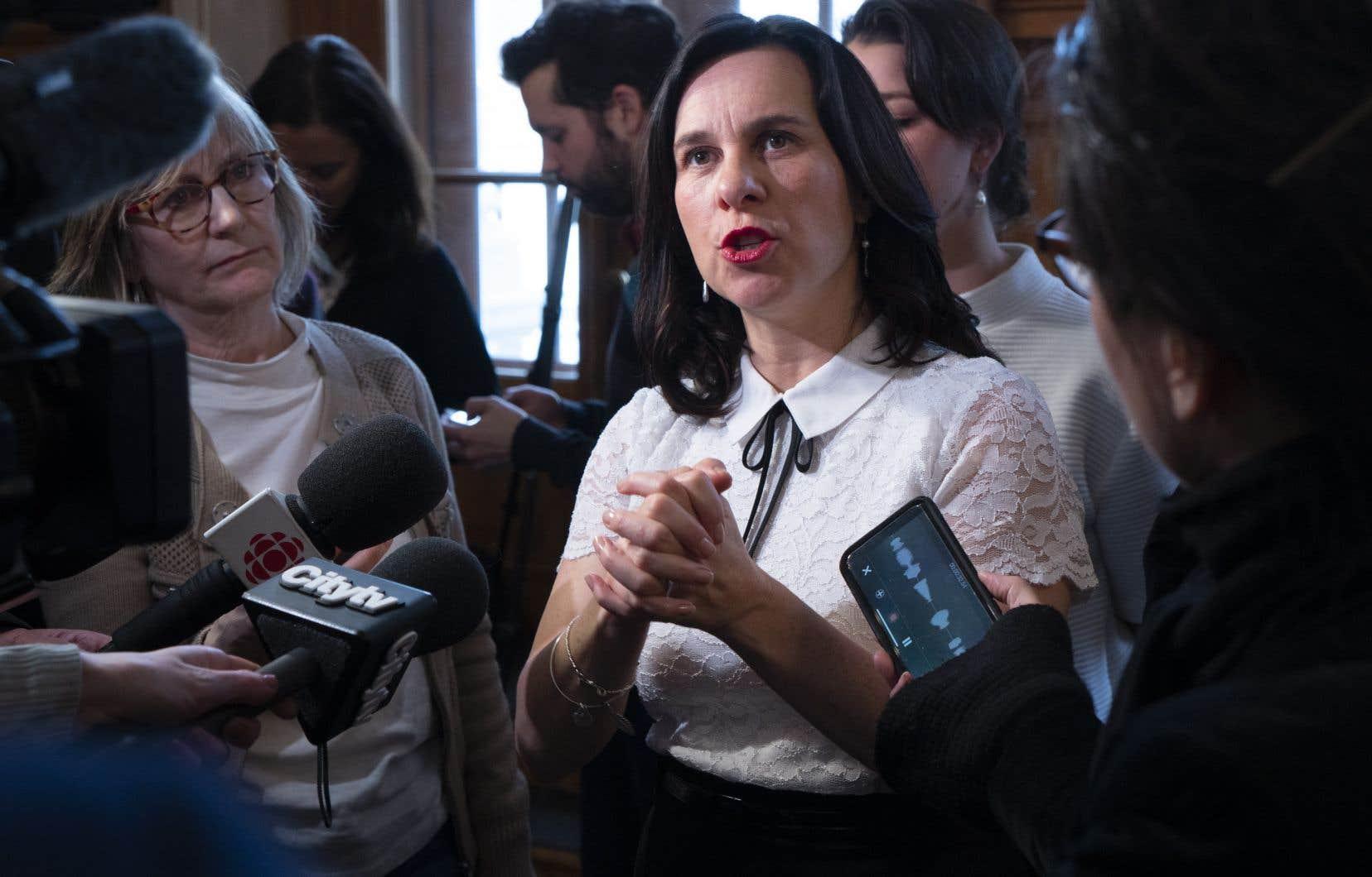 La mairesse de Montréal, Valérie Plante, estime que le projet de loi sur la laïcité passe outre à l'autonomie des villes.