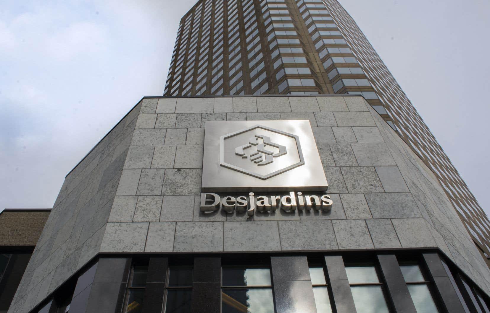 «Si nous manifestons aujourd'hui, c'est parce que nous pensons que Desjardins peut réellement avoir un grand impact. Elle pourrait être la première grande institution financière au Canada à se désinvestir complètement des sables bitumineux», souligne l'auteure.