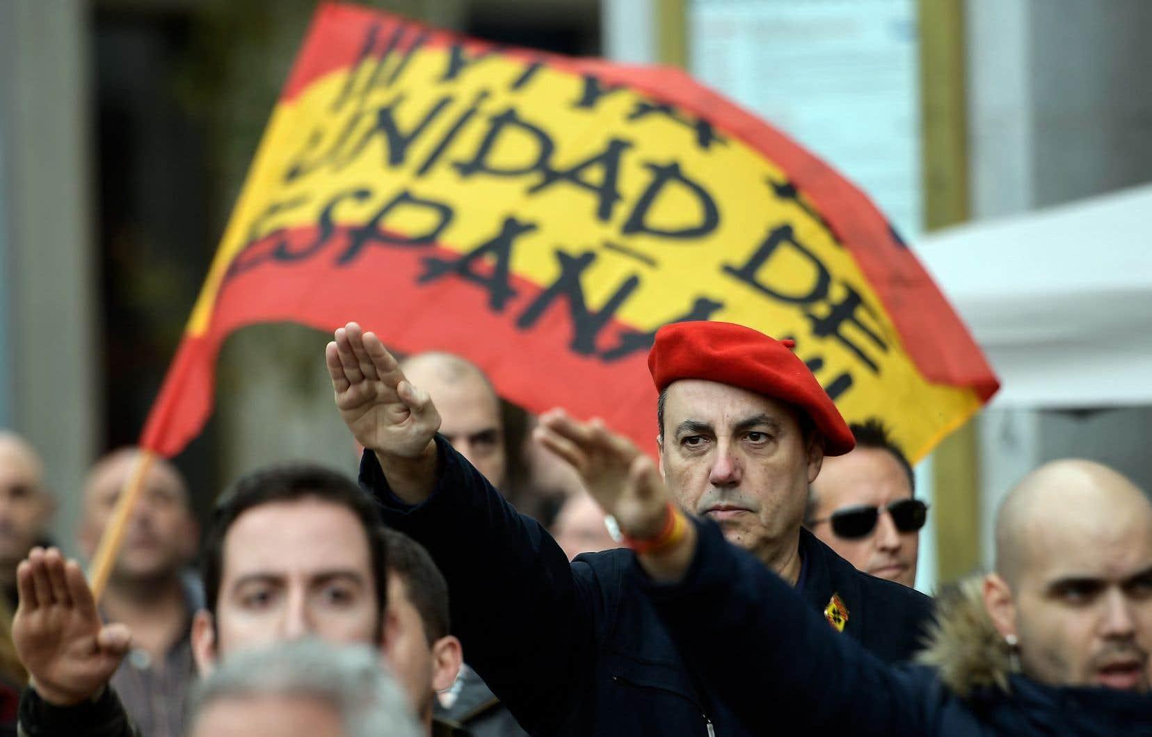 L'anniversaire de la fin de laguerre civile espagnole, remportée il y a 80 ans par le régime fasciste de Franco, révélait lundi les dissensions qui perdurent dans le pays.