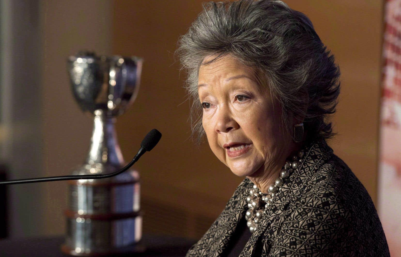 «La coupe Clarkson sera toujours là à titre de symbole et de trophée pour la meilleure équipe de hockey féminin», a déclaré Clarkson.