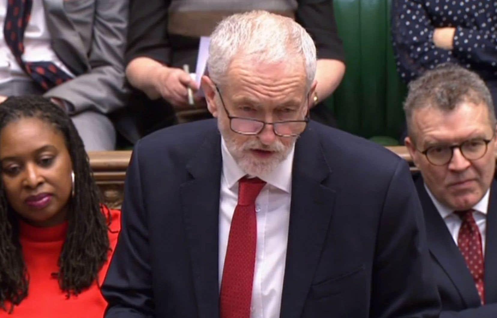 Le chef de l'opposition, Jeremy Corbyn, a rencontréTheresa May dans l'espoir d'en arriver à un scénario de sortie de crise mutuellement consenti.