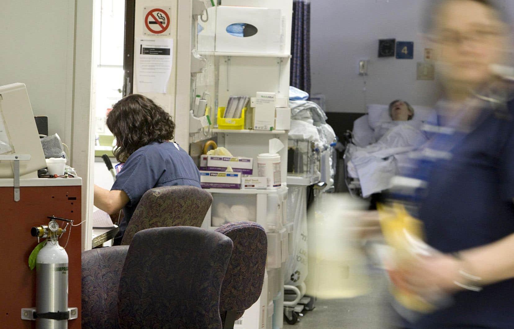 «L'Ordre des infirmières et infirmiers du Québec a récemment clarifié le Code de déontologie des infirmières et ne peut être invoqué pour imposer des heures supplémentaires», écrivent les auteurs.