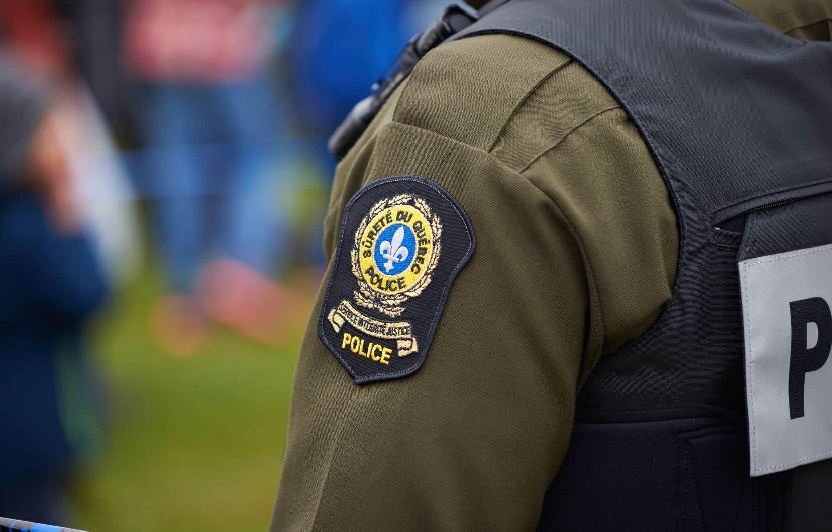 <p>Les policiers étaient toujours à mener des vérifications en début d'après-midi mercredi.</p>