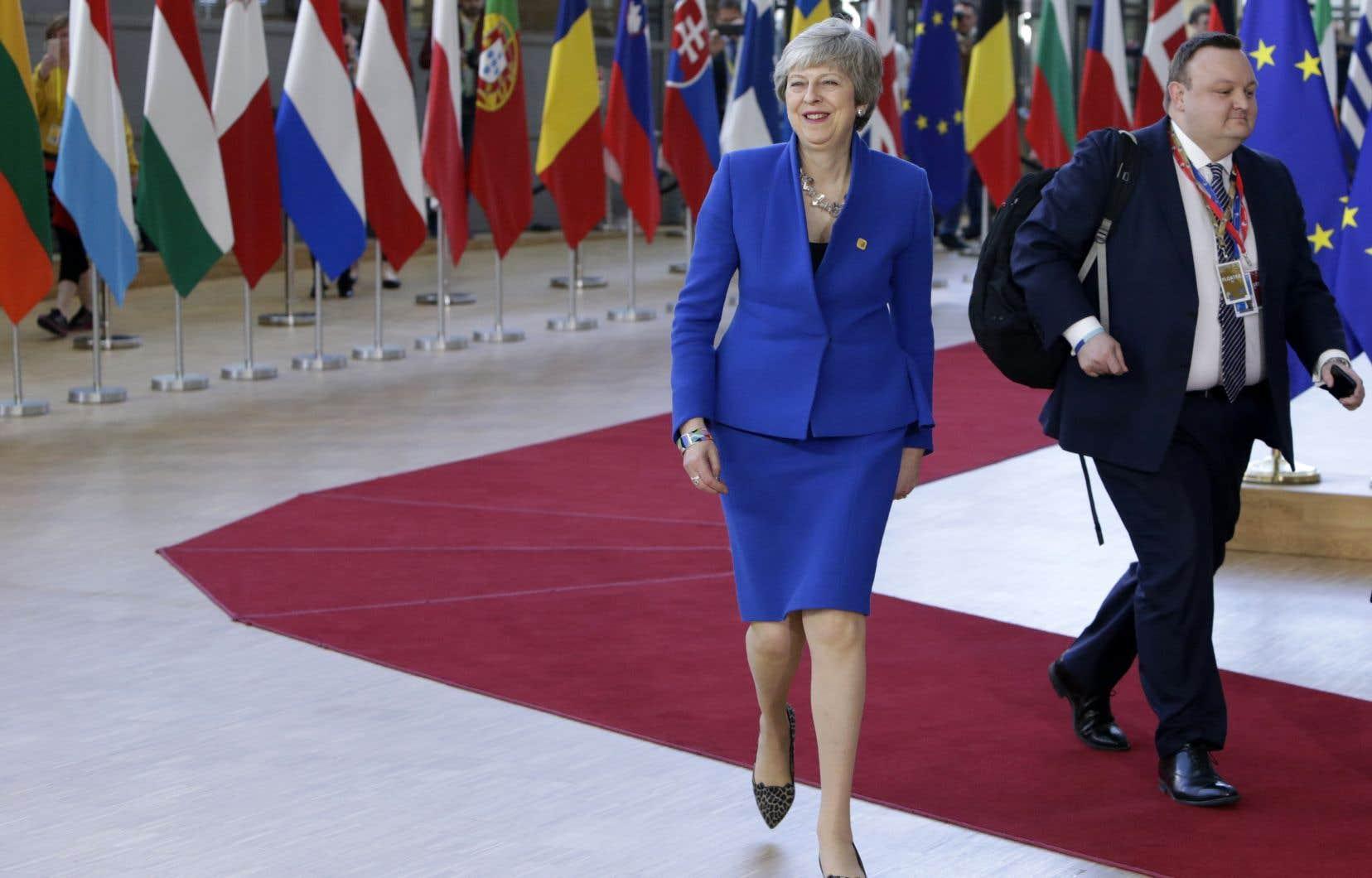 Theresa May plaide pour un report du Brexit au 30 juin, comptant toujours pouvoir éviter de participer aux élections européennes prévues pour se dérouler du 23 au 26 mai.