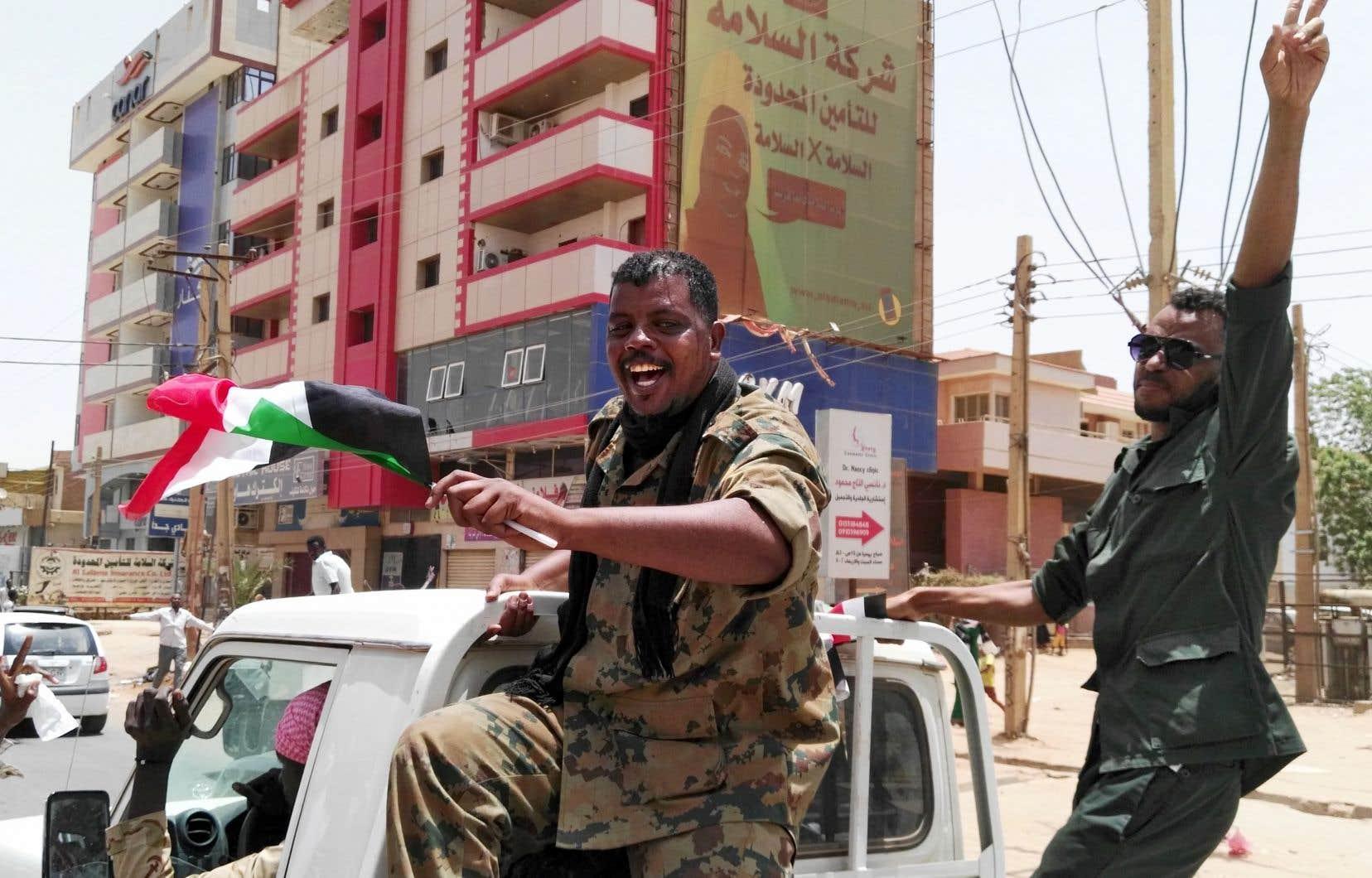 La nouvelle a été accueillie comme une victoire, à Khartoum, par des membres des forces de sécurité.