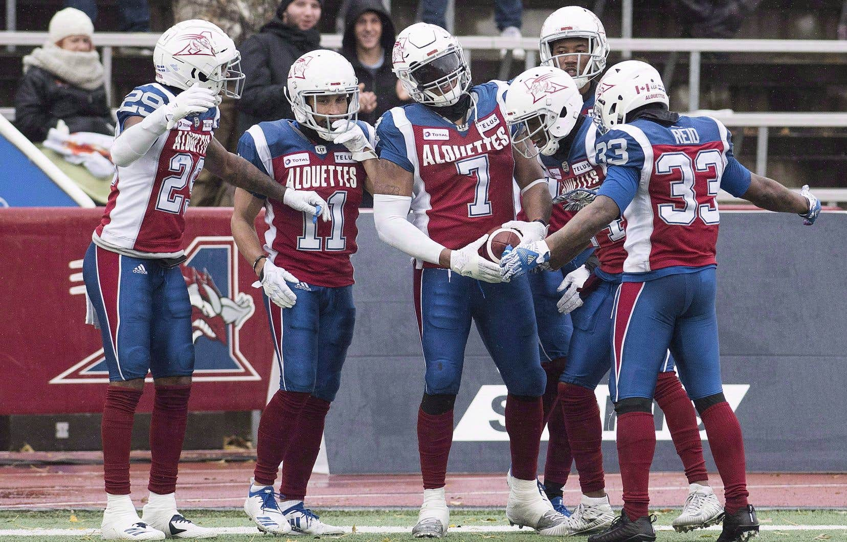 Le Réseau des sports a dévoilé jeudi matin que la Ligue canadienne aurait racheté la franchise de Wetenhall afin de trouver un nouvel acheteur.