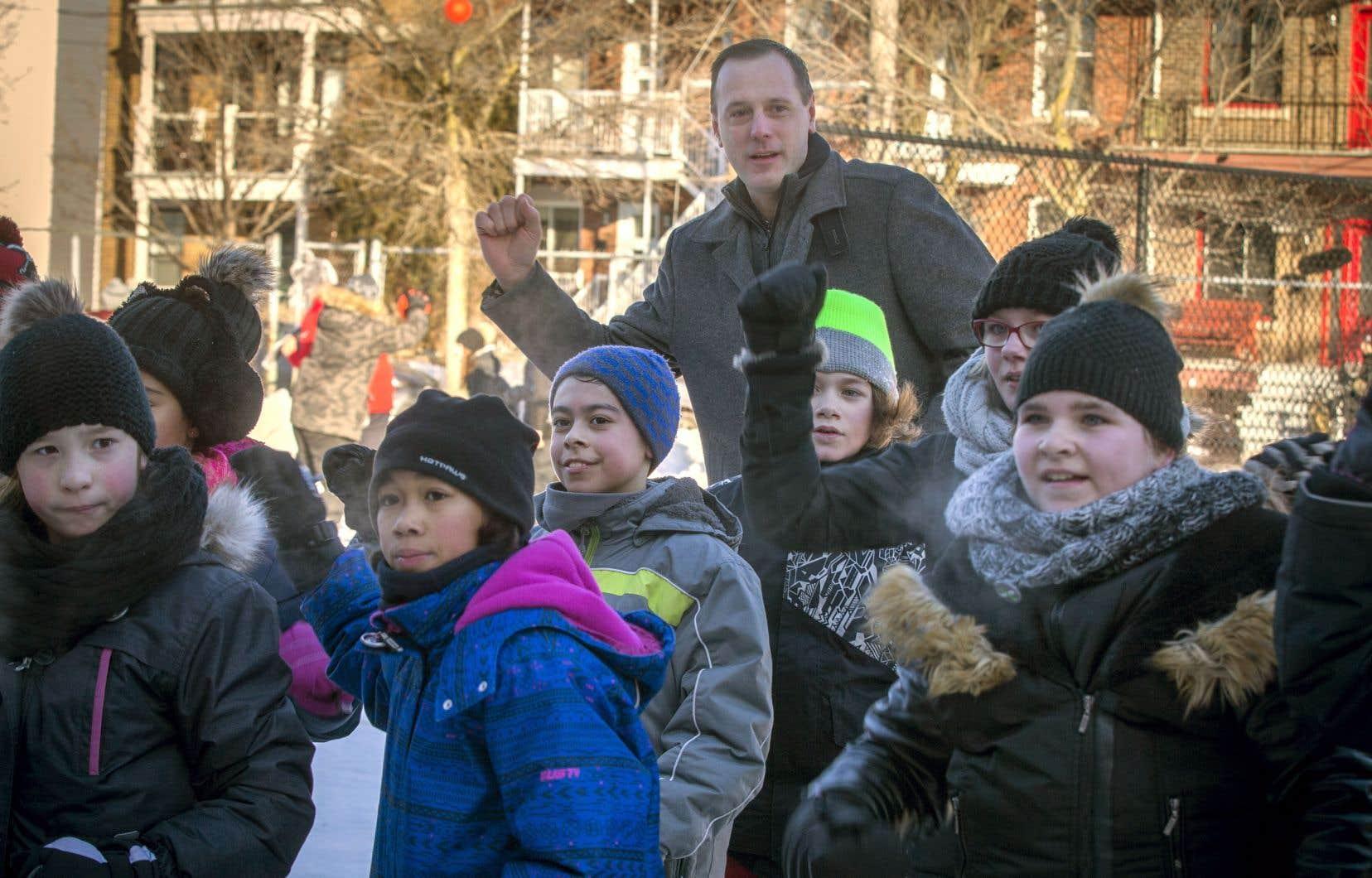 Le ministre de l'Éducation, Jean-François Roberge, en visite à l'école Lévis-Sauvé à Verdun en février dernier