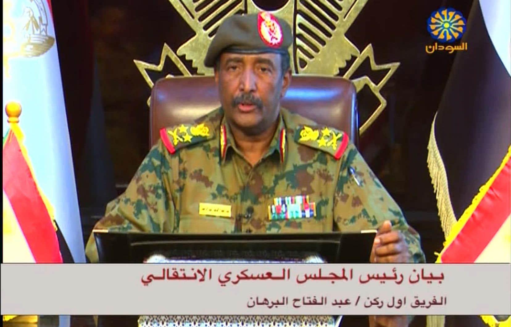 Abdel Fattah al-Burhane a été nommé vendredi à la tête du Conseil militaire chargé de la transition au lendemain du renversement du président Béchir.