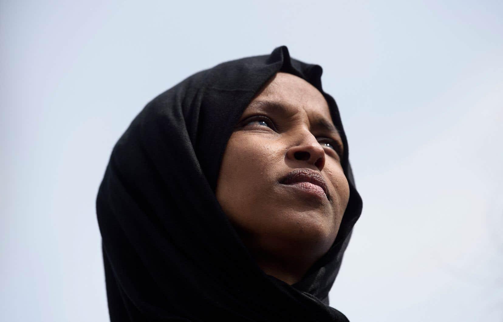 Donald Trump avait publié vendredi sur Twitter une vidéo associant des propos tenus par Ilhan Omar, l'une des deux premières femmes musulmanes élues au Congrès, aux images des tours jumelles de New York en feu.