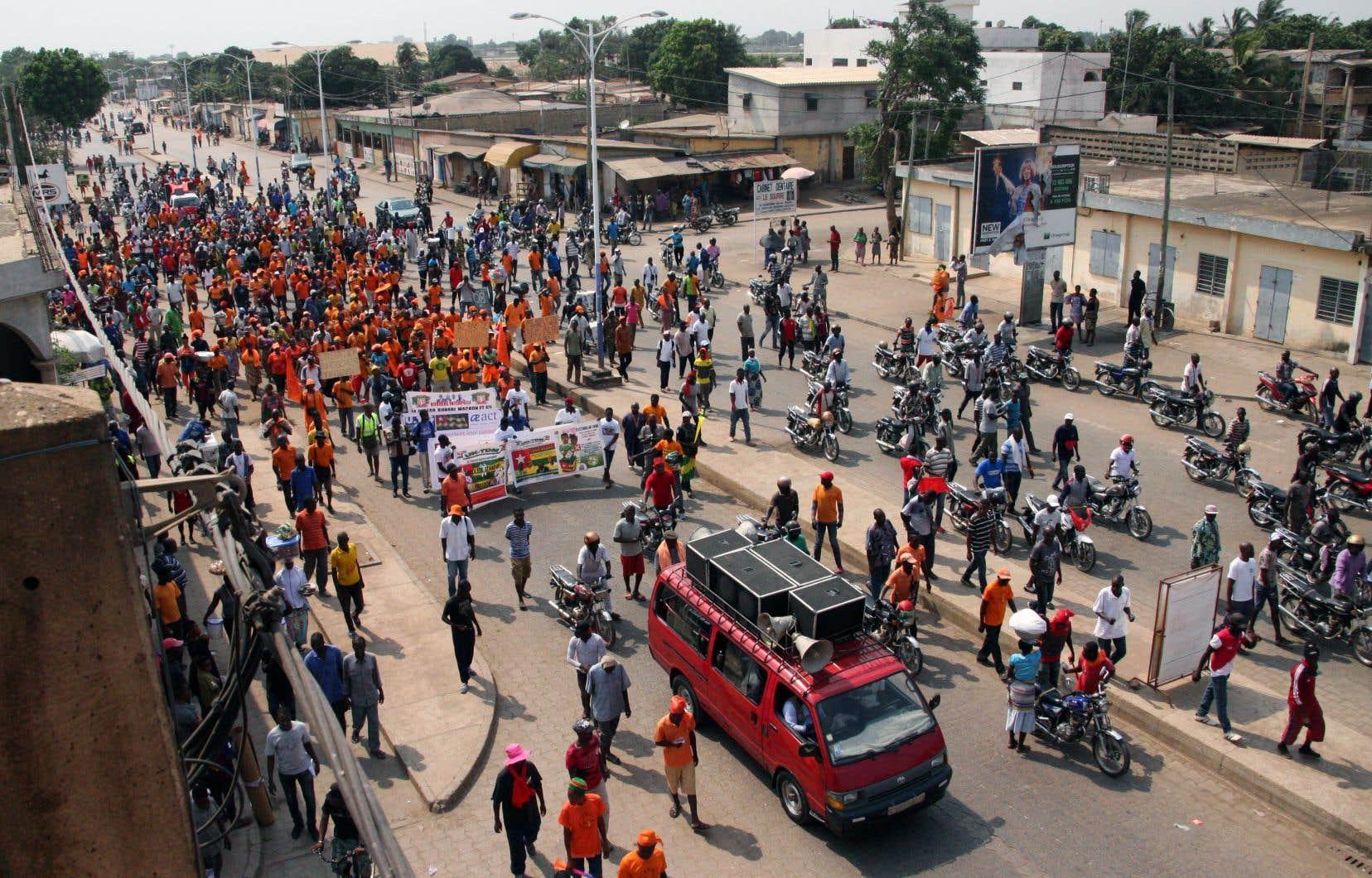 Faure Gnassingbé, au pouvoir depuis 2005, a succédé à son père, le général Eyadema Gnassingbé, qui a dirigé le pays d'une main de fer pendant 38ans.