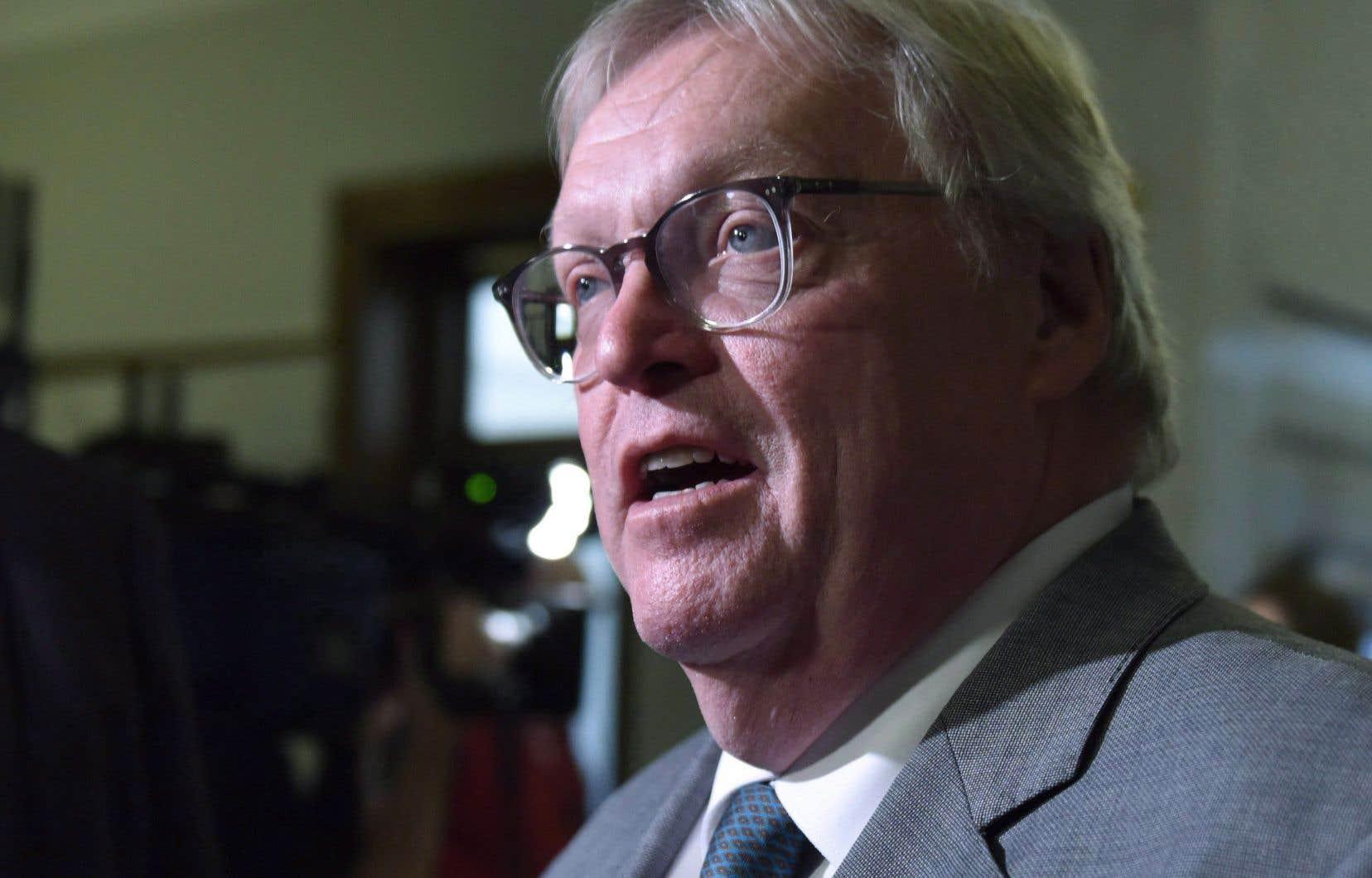 Gaétan Barrette a accusé le ministre de ne pas s'attarder à la collecte des données qui pourraient être partagées entre les réseaux de la Santé et de l'Éducation.