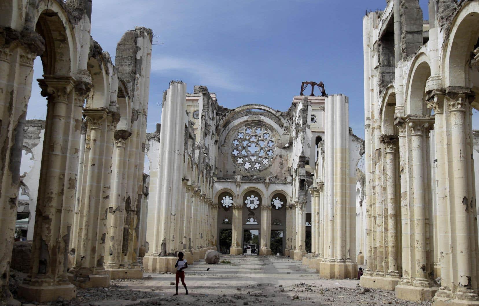 La cathédrale de Port-au-Prince a été détruite lors du tremblement de terre de 2010. Elle est demeurée au sol depuis, presque oubliée par le reste du monde.