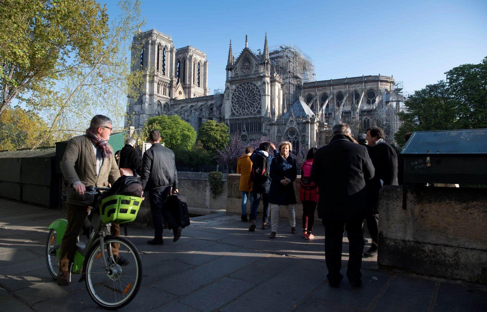 L'incendie de la cathédrale Notre-Dame de Paris a provoqué une vive émotion en France, mais aussi partout sur le globe.