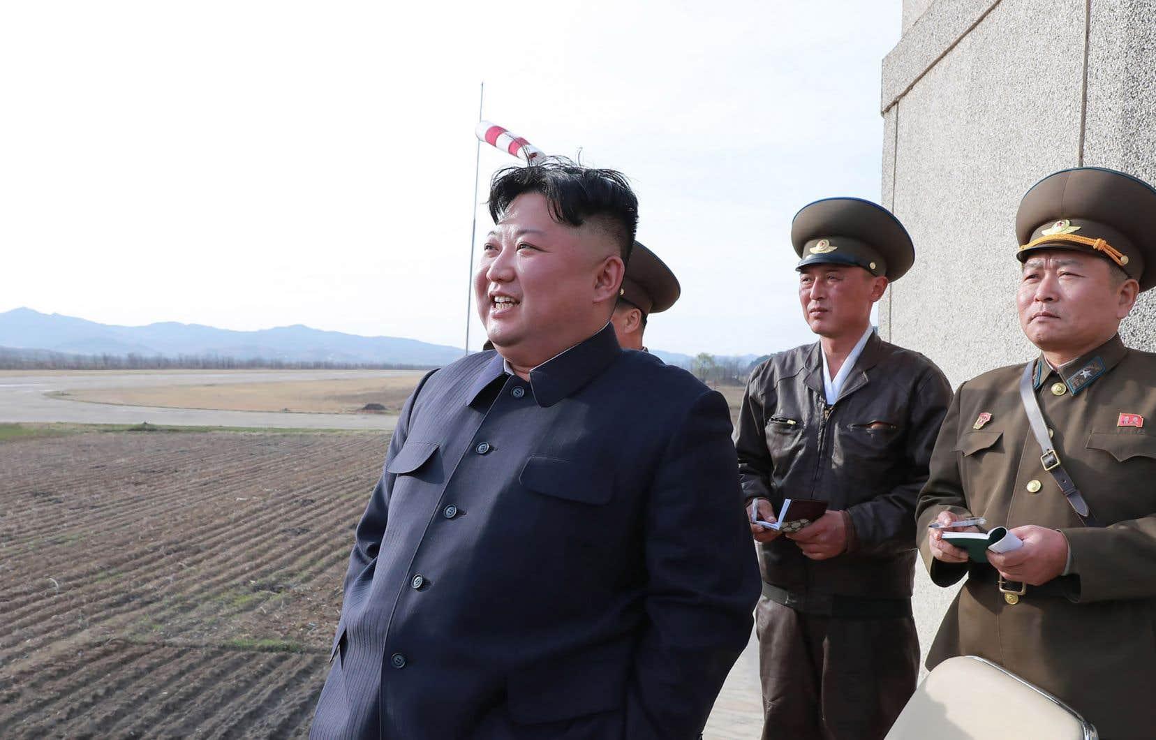 <p>Kim Jong-un a qualifié ce test d'«événement d'une très grande importance pour accroître la puissance de combat de l'Armée populaire» nord-coréenne, selon l'agence KCNA.</p>