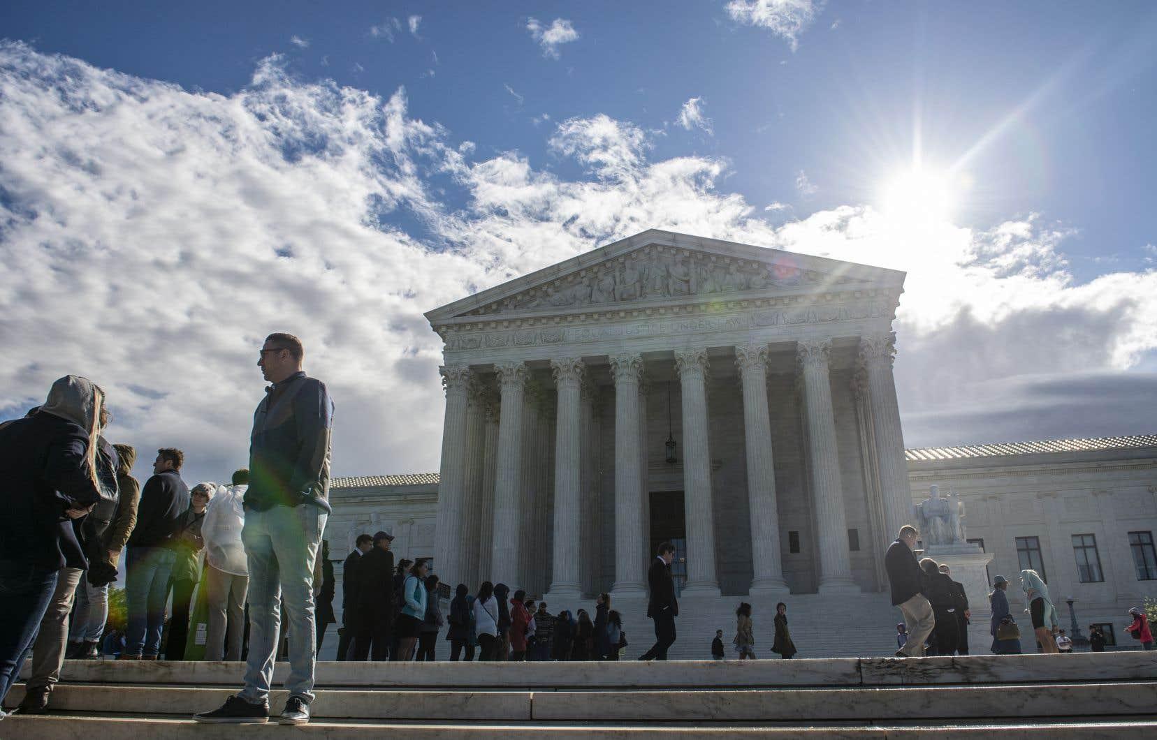 Le plus haut tribunal américain a retenu trois dossiers de licenciements contestés, concernant deux homosexuels et une femme transgenre, qui seront examinés à l'automne pour une décision en 2020.