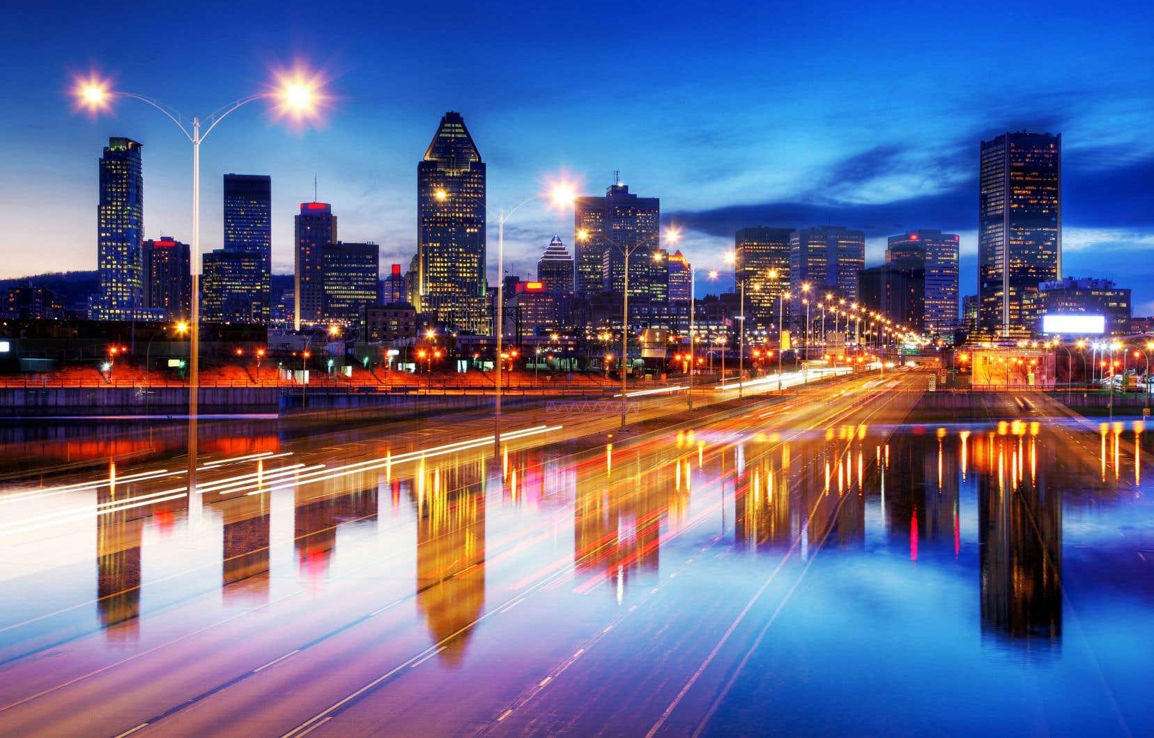 Selonl'Union des municipalités du Québec (UMQ),une ville intelligente doit chercher à augmenter son attractivité en réduisant son empreinte écologique et en offrant une meilleure qualité de vie.