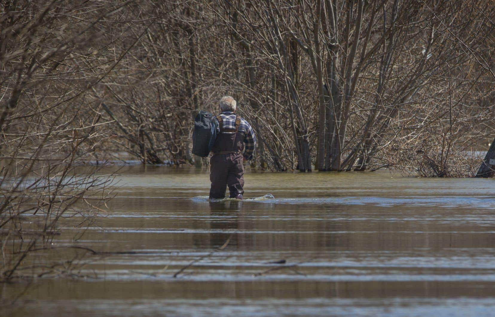 Le nombre de citoyens touchés par la montée des eaux continue d'augmenter.