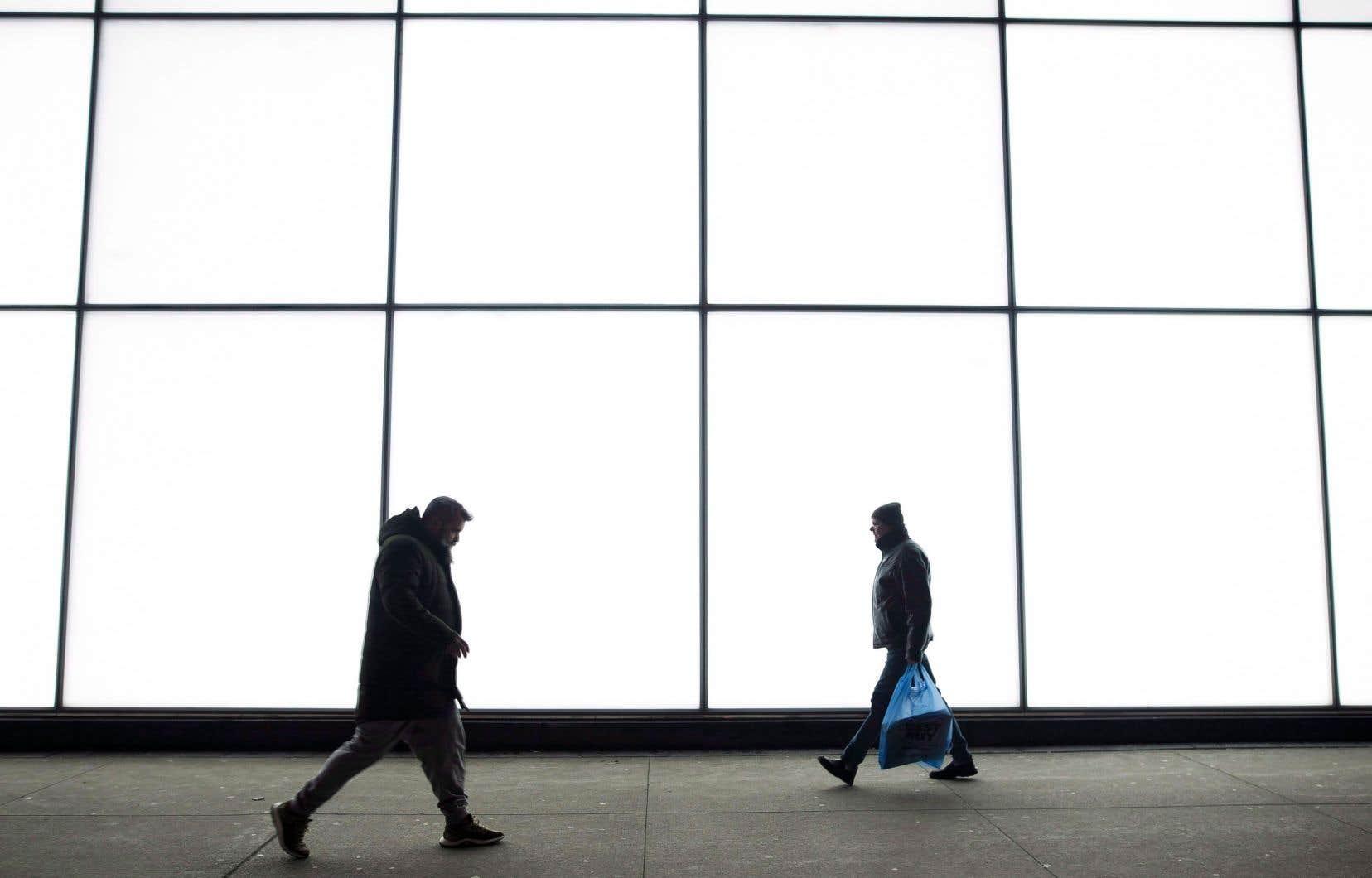Deux Québécois sur cinq craignent les difficultés financières en cas d'augmentation des taux d'intérêt et près du tiers y voient un risque de faillite.