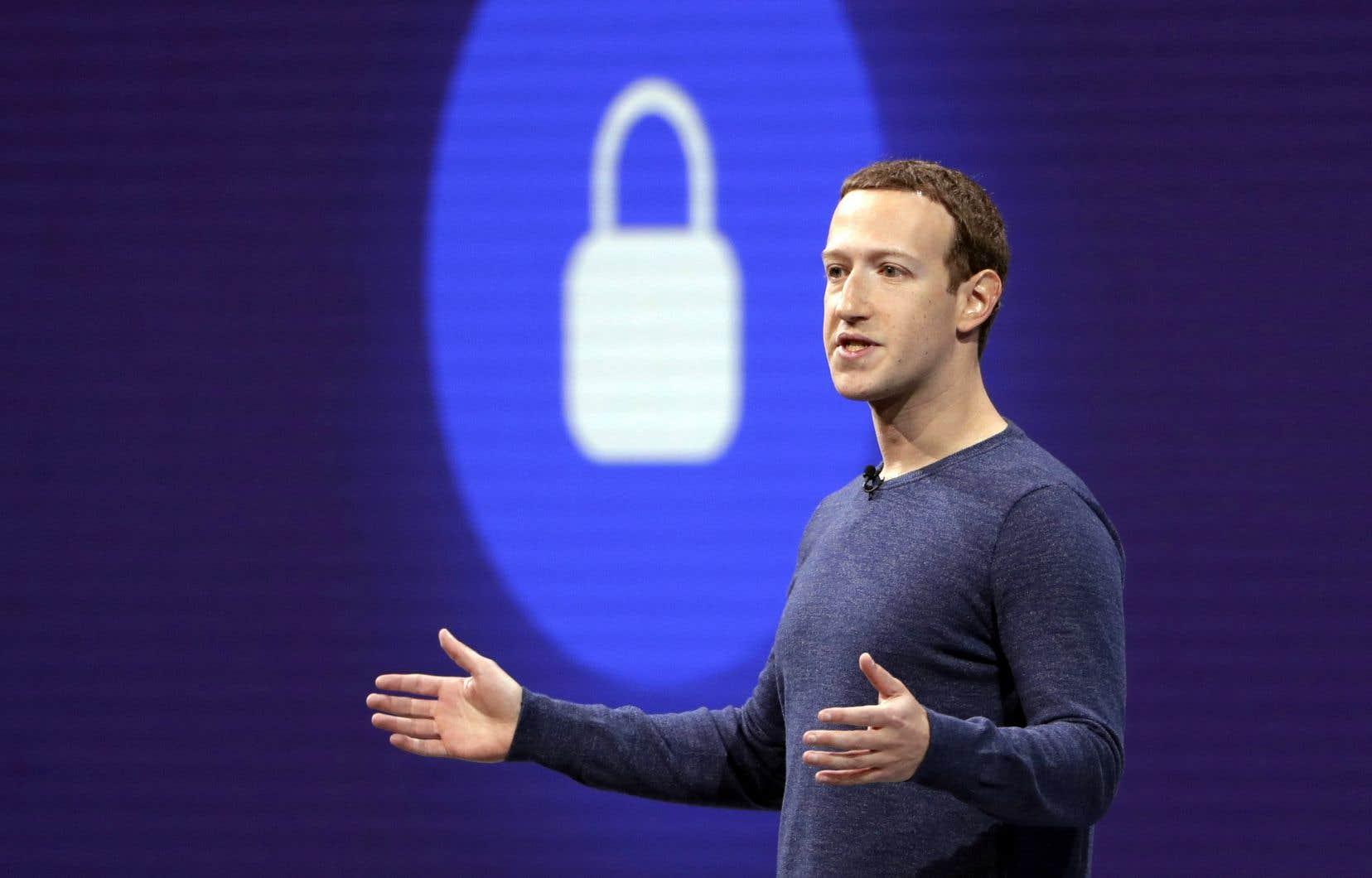 Vie privée: Facebook a commis de «graves violations» aux lois canadiennes