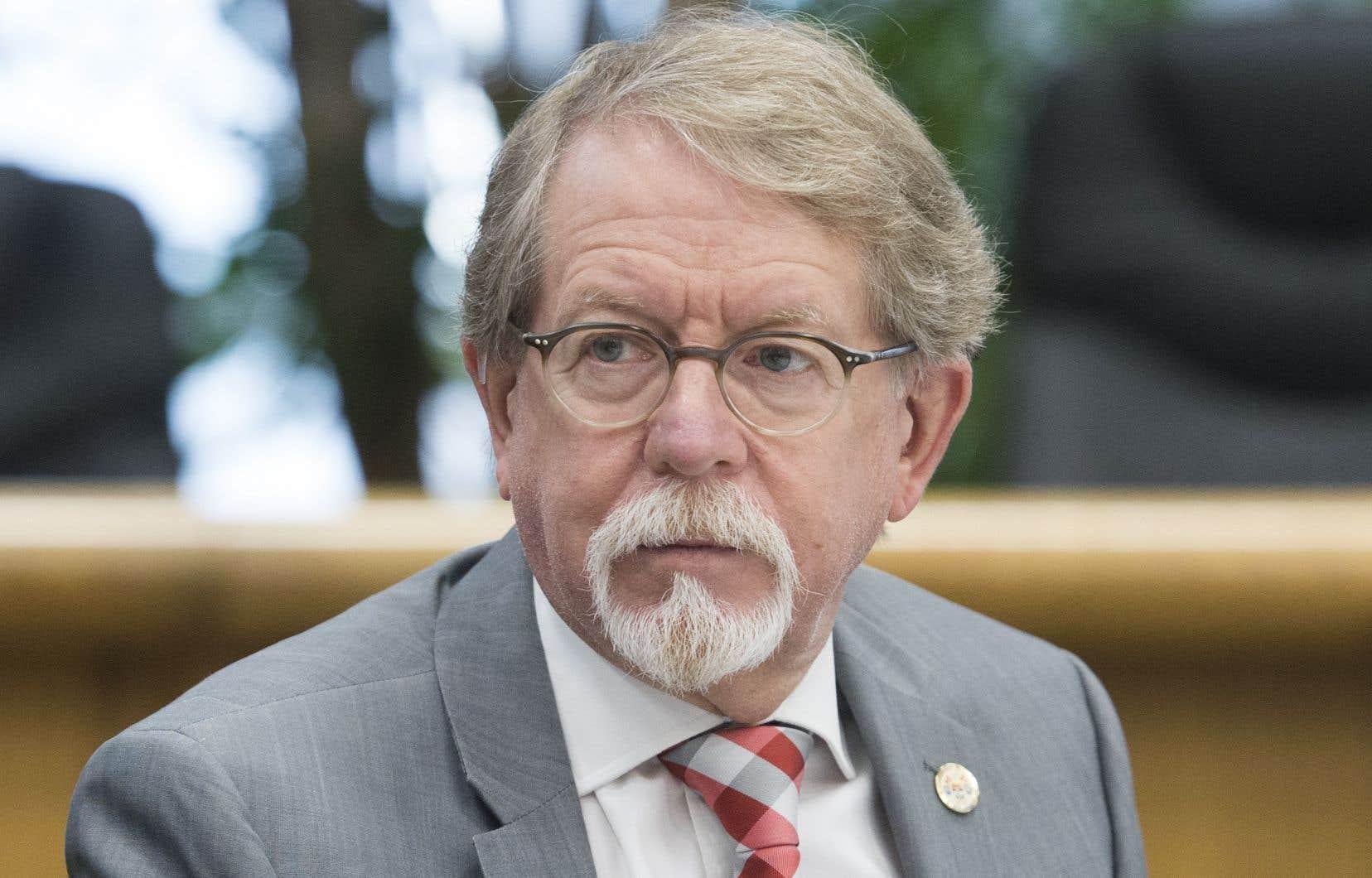 Le maire de Hampstead, William Steinberg, a essuyé de nombreuses critiques après avoir accusé le gouvernement caquiste de vouloir procéder à un «nettoyage ethnique» avec son projet de loi sur la laïcité.