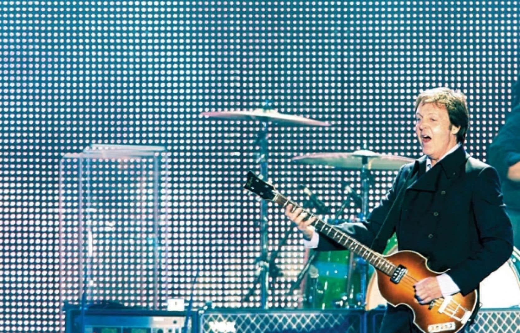 Paul McCartney en spectacle sur les plaines d'Abraham, à Québec, en juillet 2008<br />