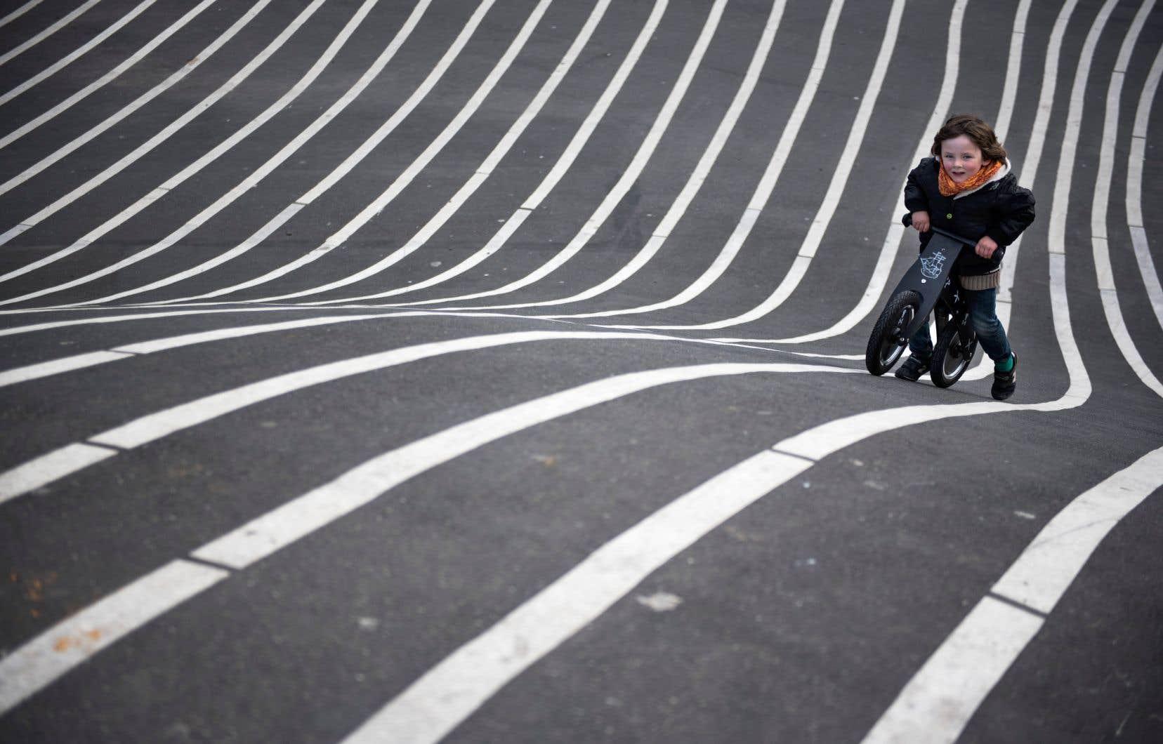 Le centre-ville de la métropole s'inscrit dans le défi que devra relever la Ville de Montréal, alors qu'il est actuellement considéré par la communauté cycliste comme un désert cyclable.