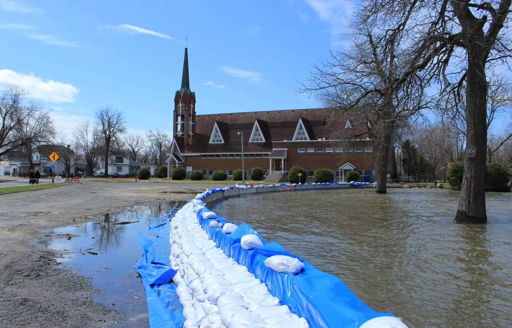 Pour les résidents de cette communauté des Basses-Laurentides, la crue printanière de 2019 rouvre des plaies encore fraîches laissées par les inondations dévastatrices de 2017.