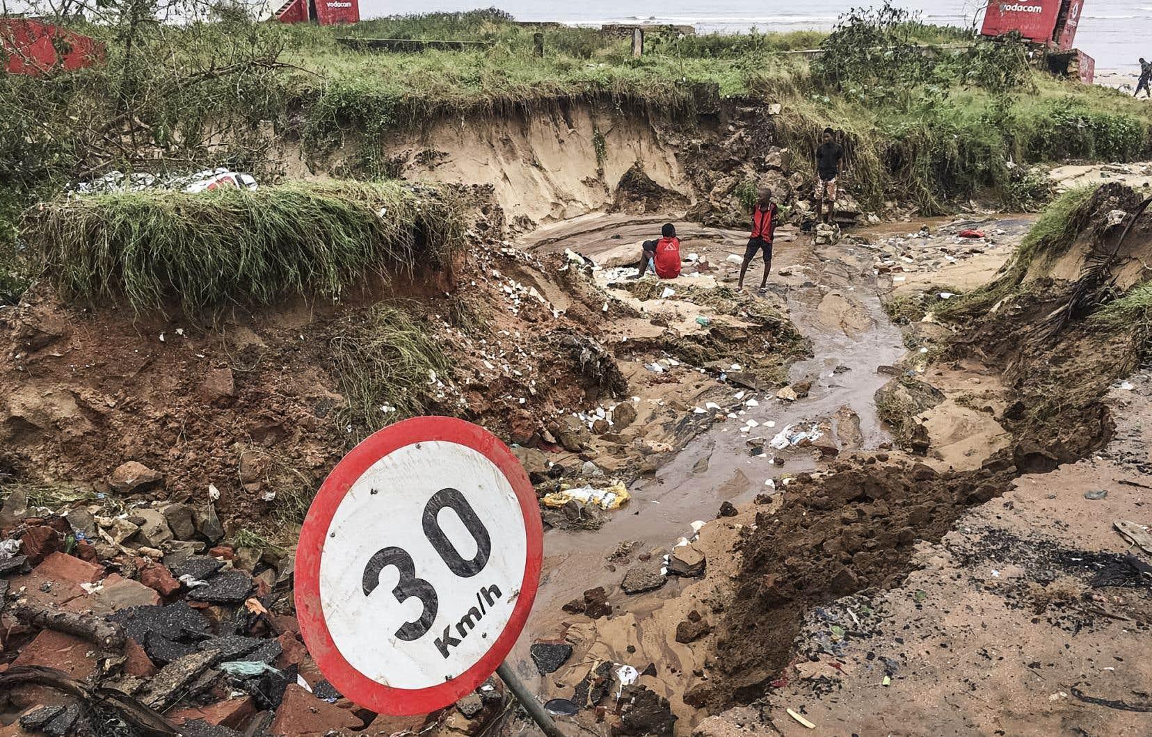 Depuis plusieurs jours, la ville de Pemba et ses environs sont noyés sous de fortes pluies qui ont inondé plusieurs des quartiers de la ville et coupé de nombreuses routes.