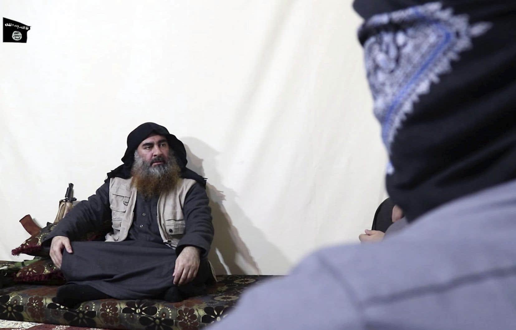 <p>Le dernier message attribué à Abou Bakr al-Baghdadi était un enregistrement audio diffusé en août 2018, et sa seule apparition en public était en 2014 à Mossoul, en Irak.</p>