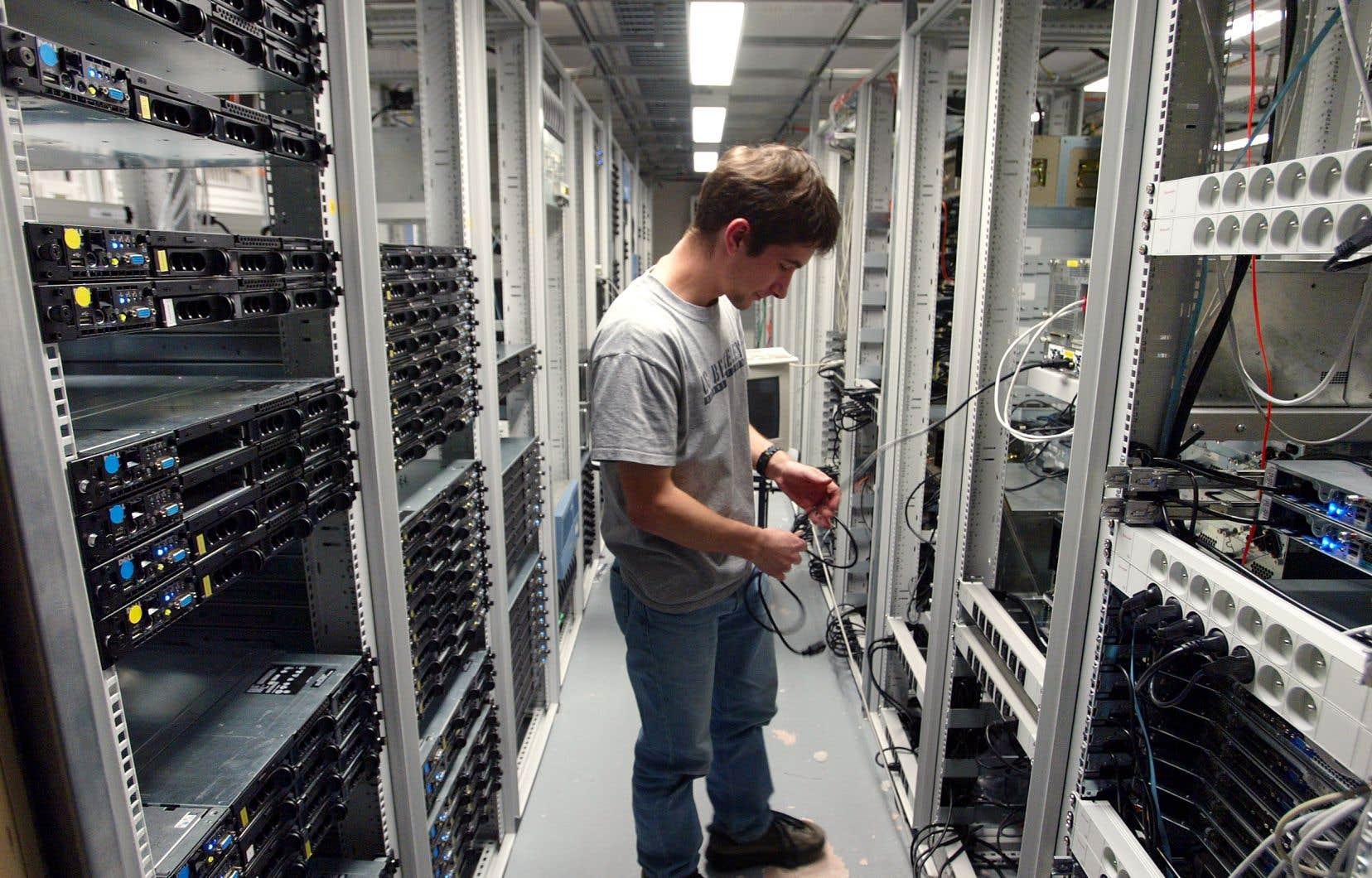 Le gouvernement Legault prévoit stocker 80% des informations de ses 457 centres de données dans des serveurs du secteur privé.