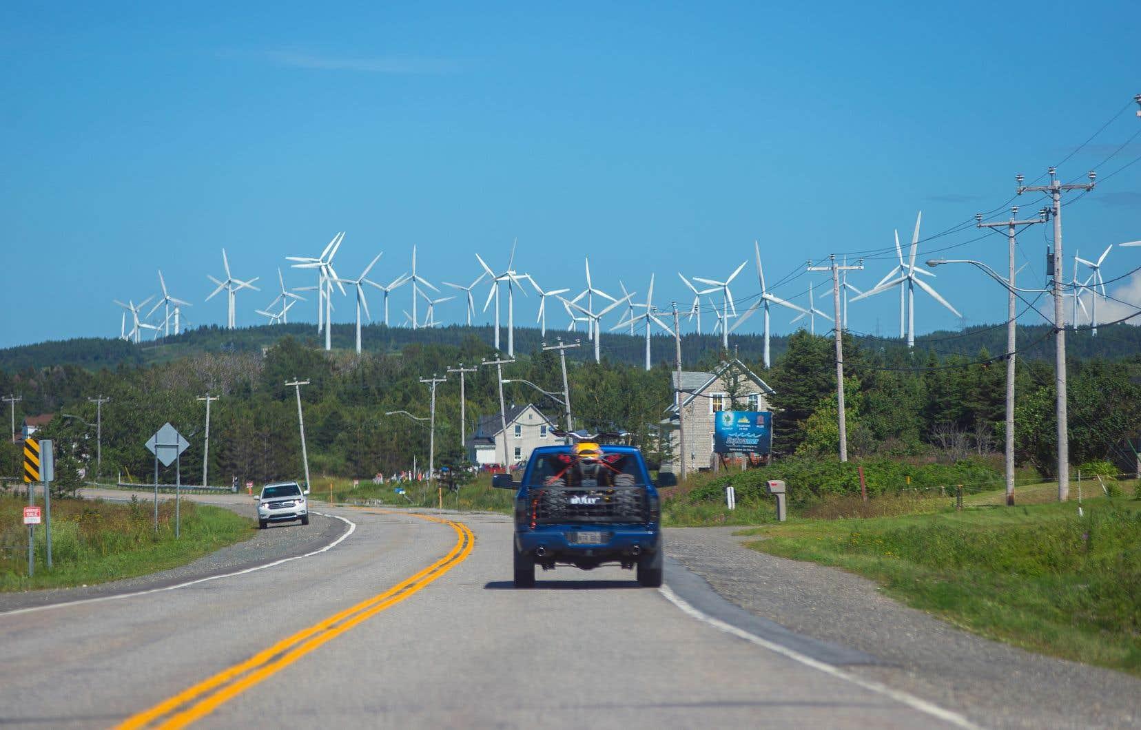 «L'éolien est l'option la plus abordable qui s'offre aux Québécois pour de futurs approvisionnements, comme le démontrent les plus récents contrats éoliens en Alberta et en Saskatchewan, octroyés pour des coûts inférieurs à 0,04$/kWh», écrit l'auteur.