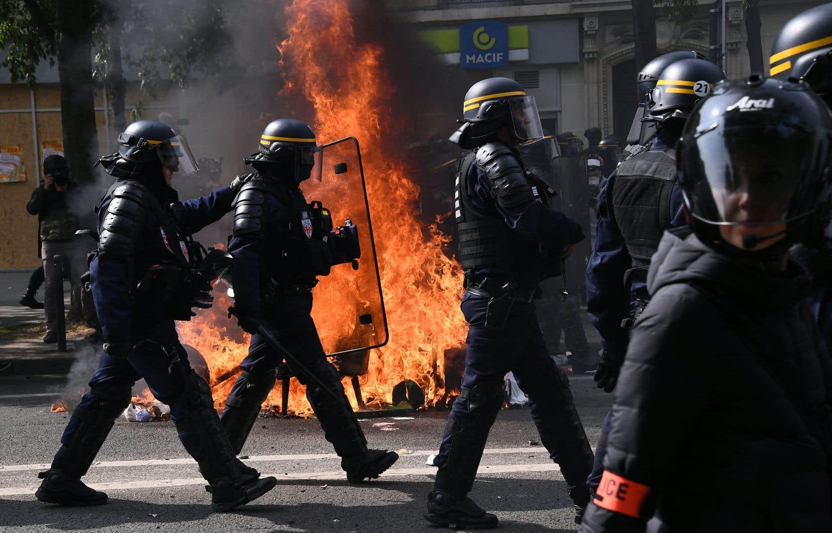 L'importance des effectifs policiers a permis une dispersion pour l'essentiel pacifique.