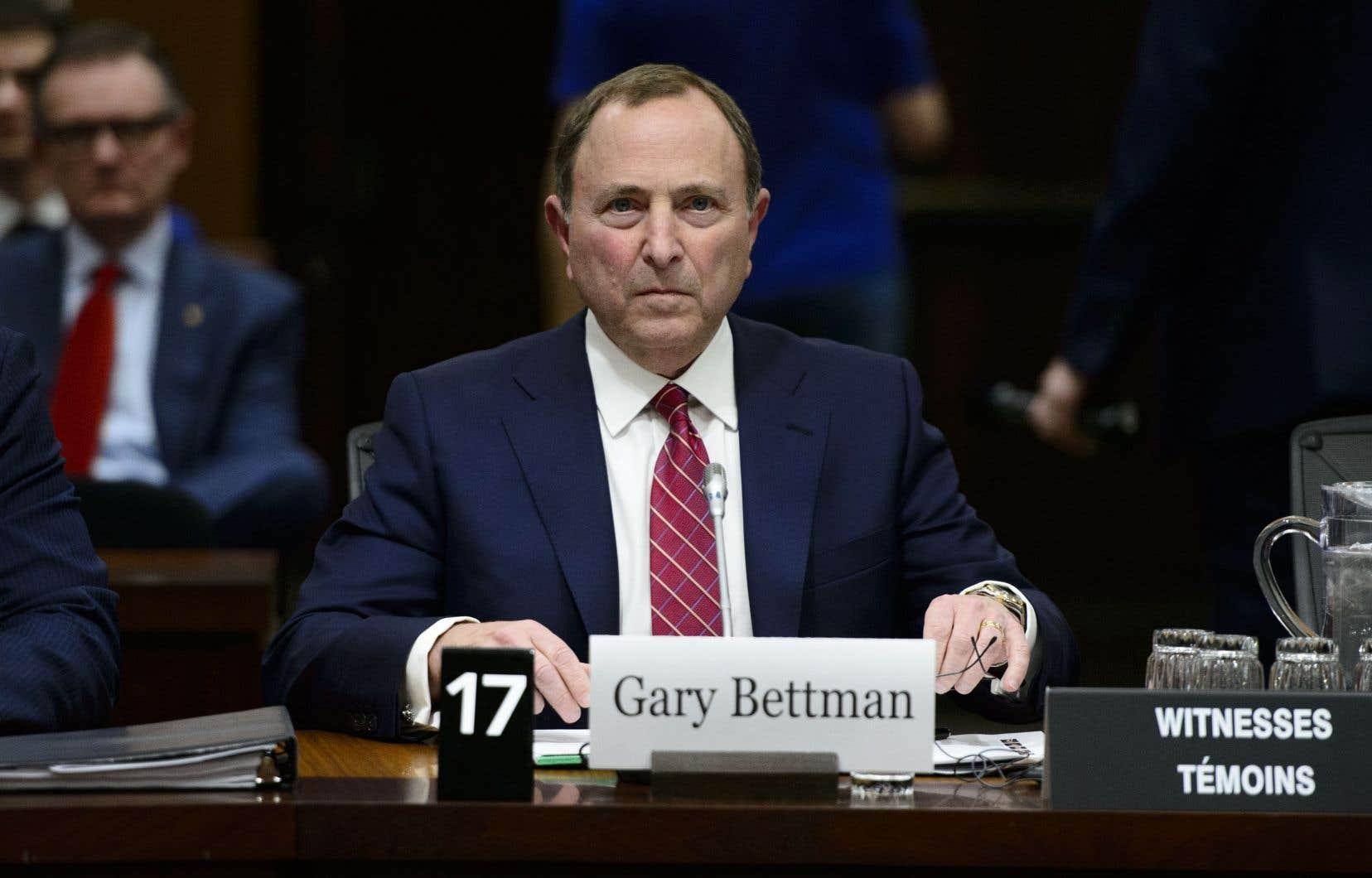 Le commissaire de la Ligue nationale de hockey, Gary Bettman