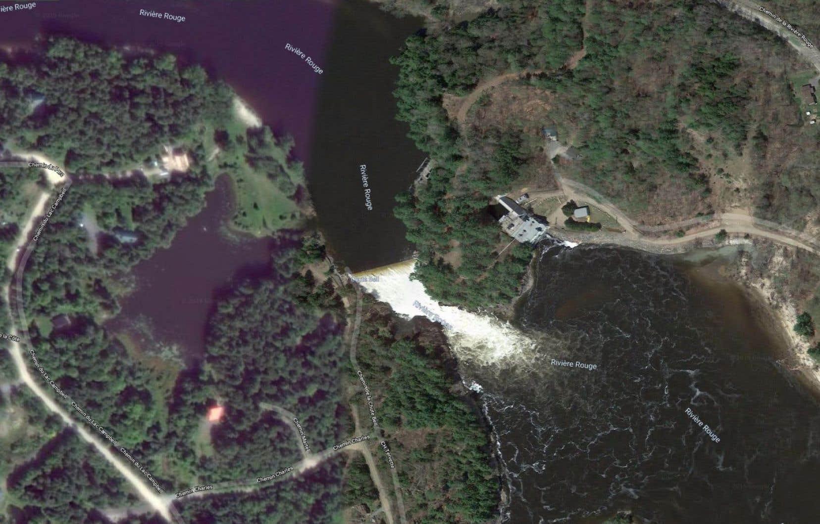 Voilà maintenant une semaine que les autorités de sécurité publique ont lancé une alerte avisant tous les citoyens domiciliés en aval du barrage de la Chute-Bell, sur la rivière Rouge, d'évacuer sans délai.