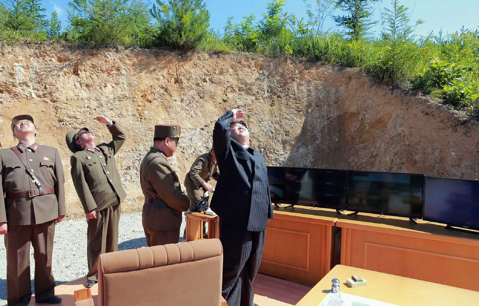 <p>Le président américain, Donald Trump, et le leader nord-coréen, Kim Jong-un, se sont quittés en février à Hanoï sur un désaccord: M.Kim réclamait une levée des sanctions trop importante aux yeux de M.Trump, en échange d'un début de dénucléarisation jugé trop timide.</p>
