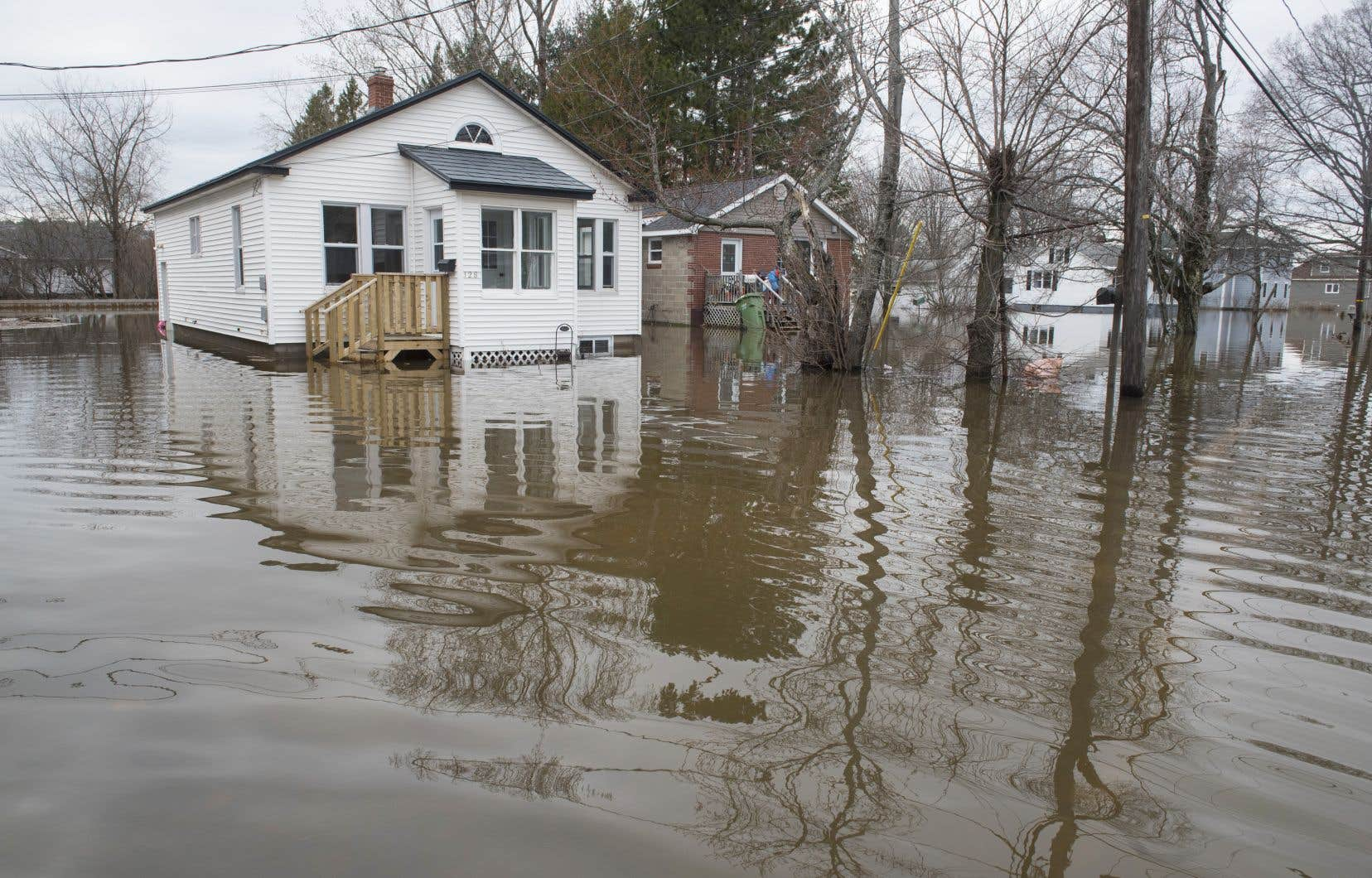 L'Outaouais et les Laurentides sont encore les régions les plus touchées par les inondations.