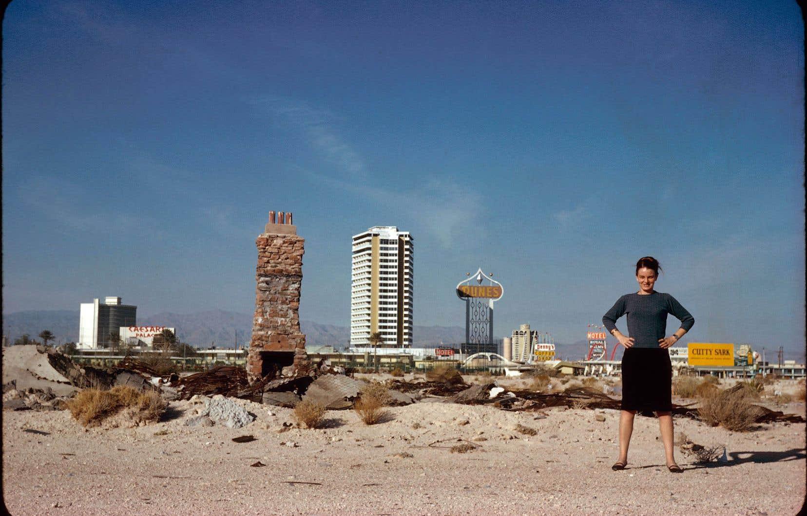 C'est en cherchant à réaliser un film sur la façon de concevoir des villes à échelle plus humaine que le réalisateur Joseph Hillel s'est retrouvé par hasard au carrefour de la vie de quatre femmes hors normes, devenues, au siècle dernier, des moteurs de changement dans le monde très masculin de l'architecture et de l'urbanisme, dont Denise Scott Brown.