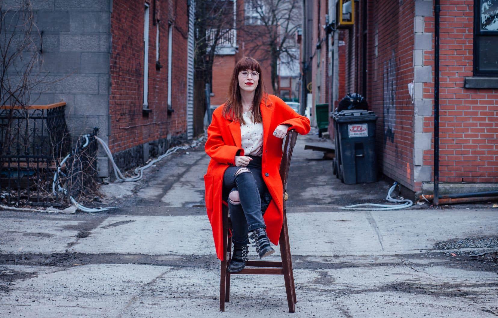 Catherine Ethier présente son spectacle «S'asseoir sur un sabre, doucement» dans le cadre du Dr Mobilo Aquafest.