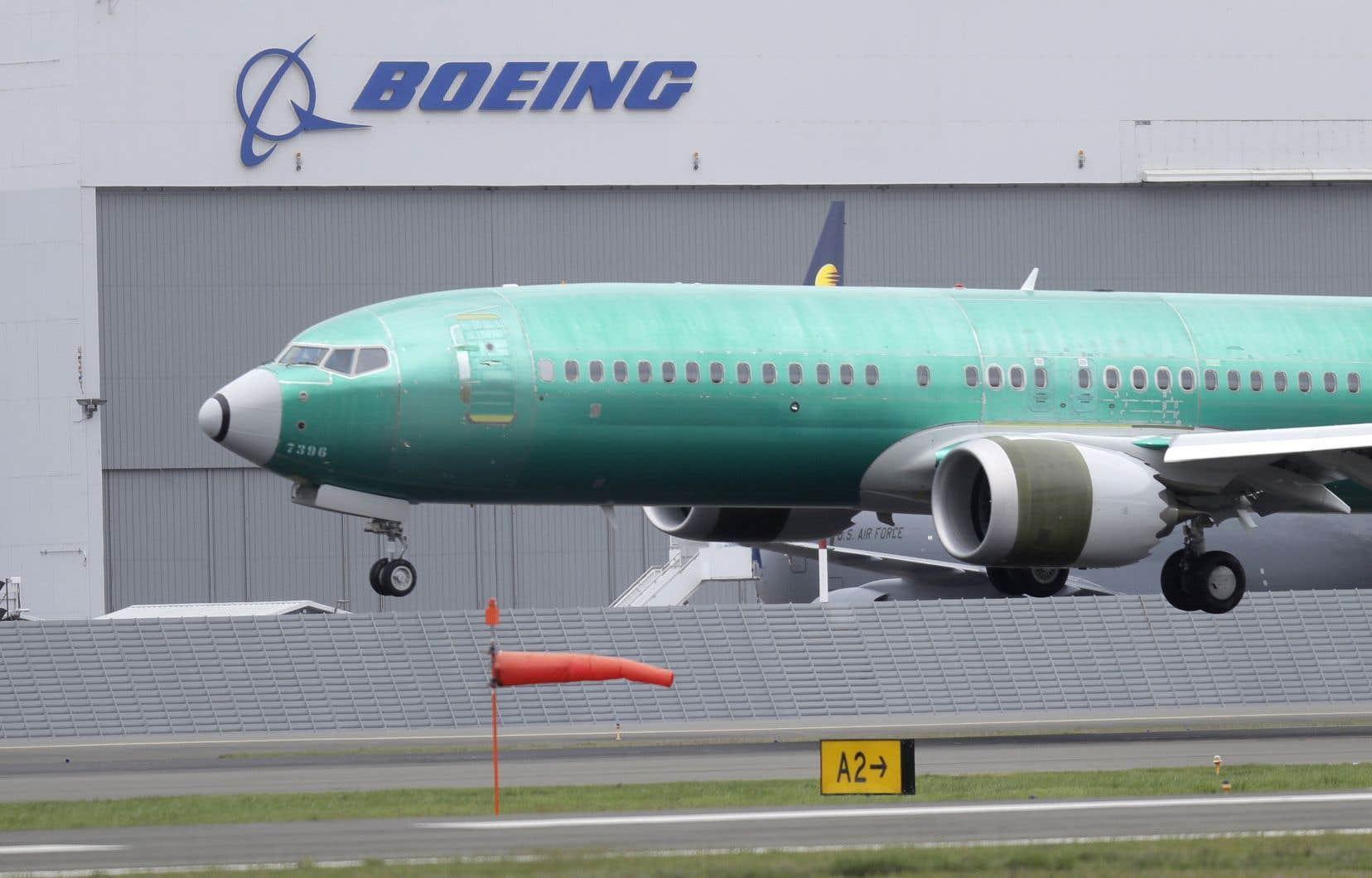Boeing a répété que le 737 Max était un appareil sécuritaire même lorsque le signal d'avertissement du capteur ne fonctionnait pas.
