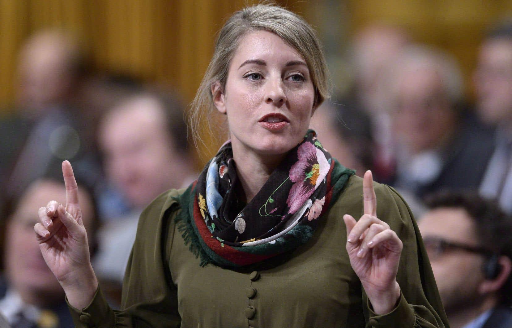 La mesure proposée par Ottawa s'appliquerait à environ 480000 travailleuses. La ministre Mélanie Joly pense qu'il ne faut pas s'arrêter en si bon chemin.