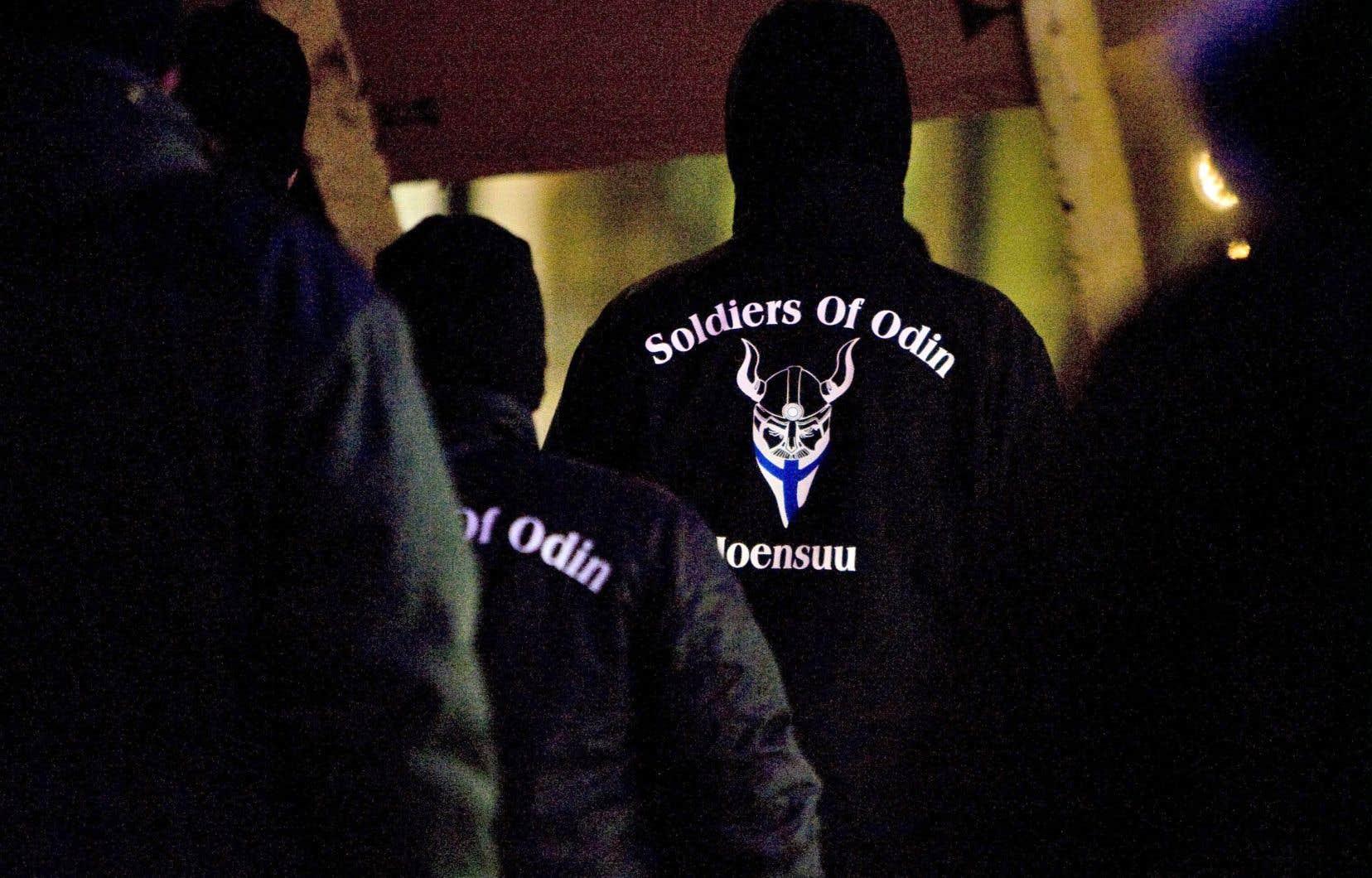 Des membres des Soldats d'Odin, en Finlande