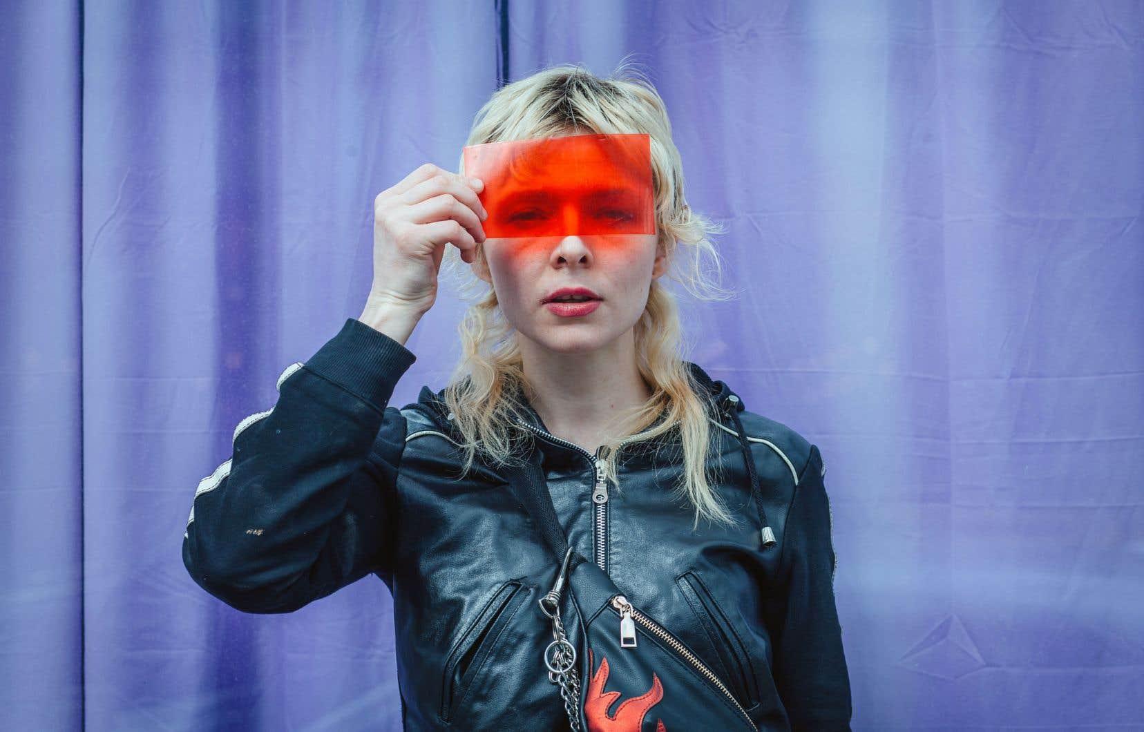 L'art-pop à l'esprit punk d'Alexandra Mackenzie, alias Petra Glynt, est dansant et affranchi.