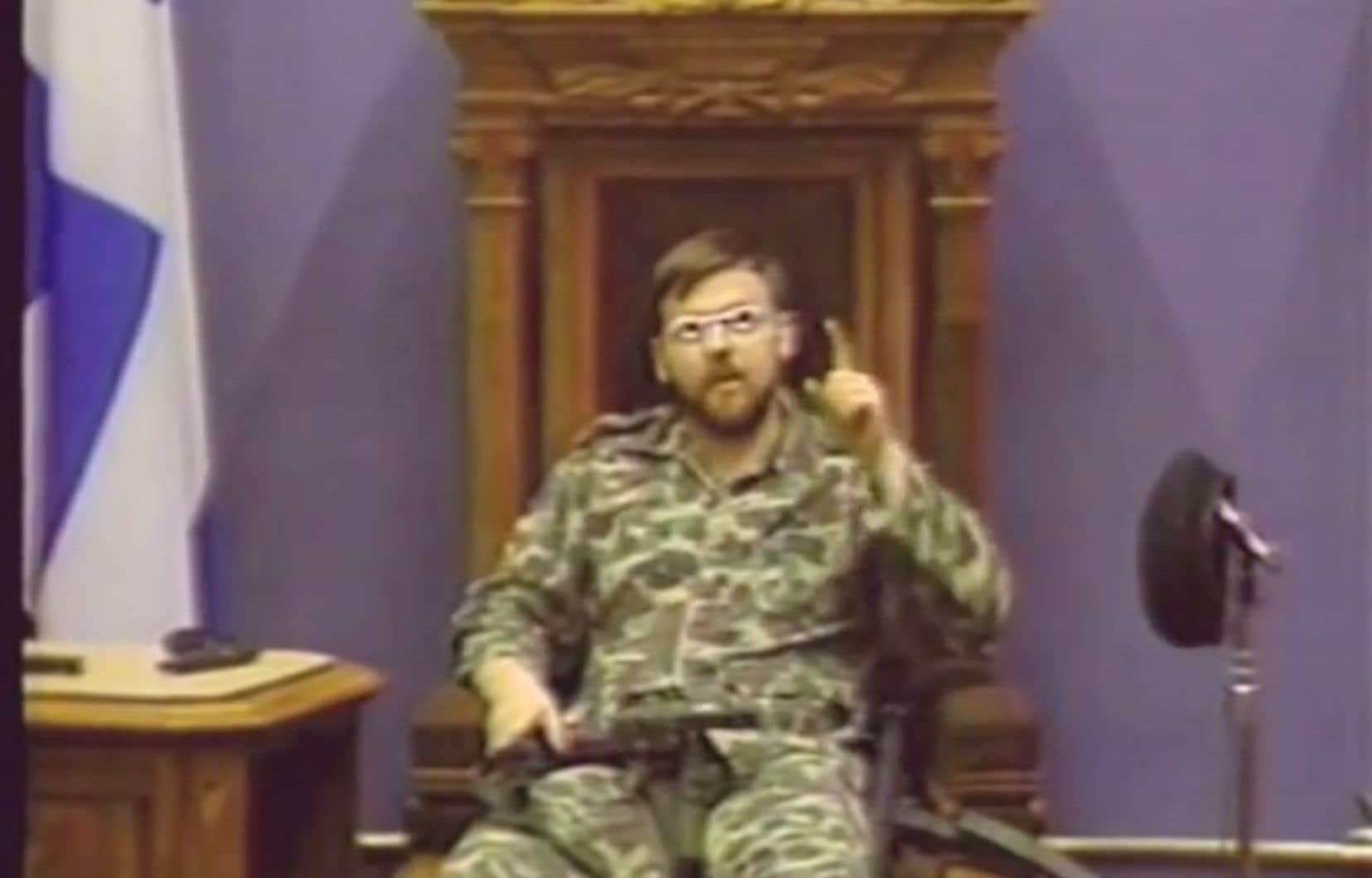 Le 8mai 1984,le caporal Denis Lortie, des Forces armées canadiennes, est entré armé dans l'hôtel du Parlement à Québec, avec l'intentiontuer le premier ministre René Lévesque et des députés du Parti québécois.