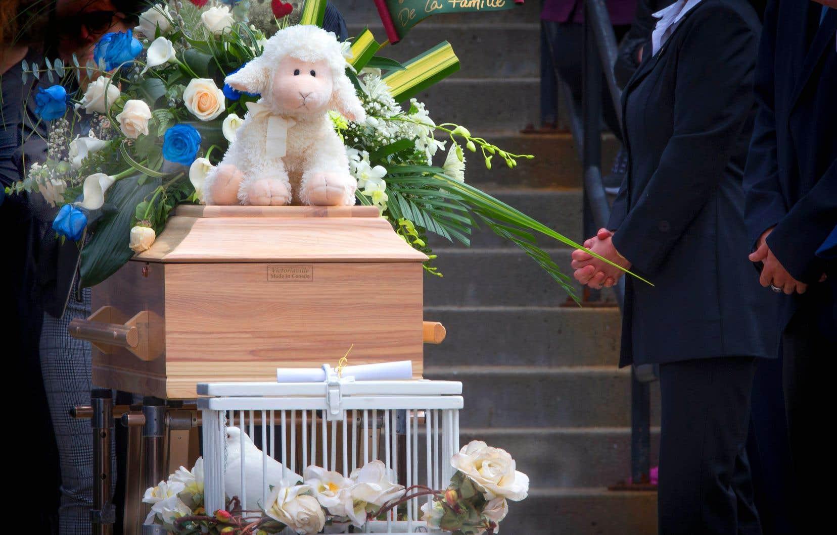 Les funérailles de la fillette de Granby ont eu lieu jeudi.