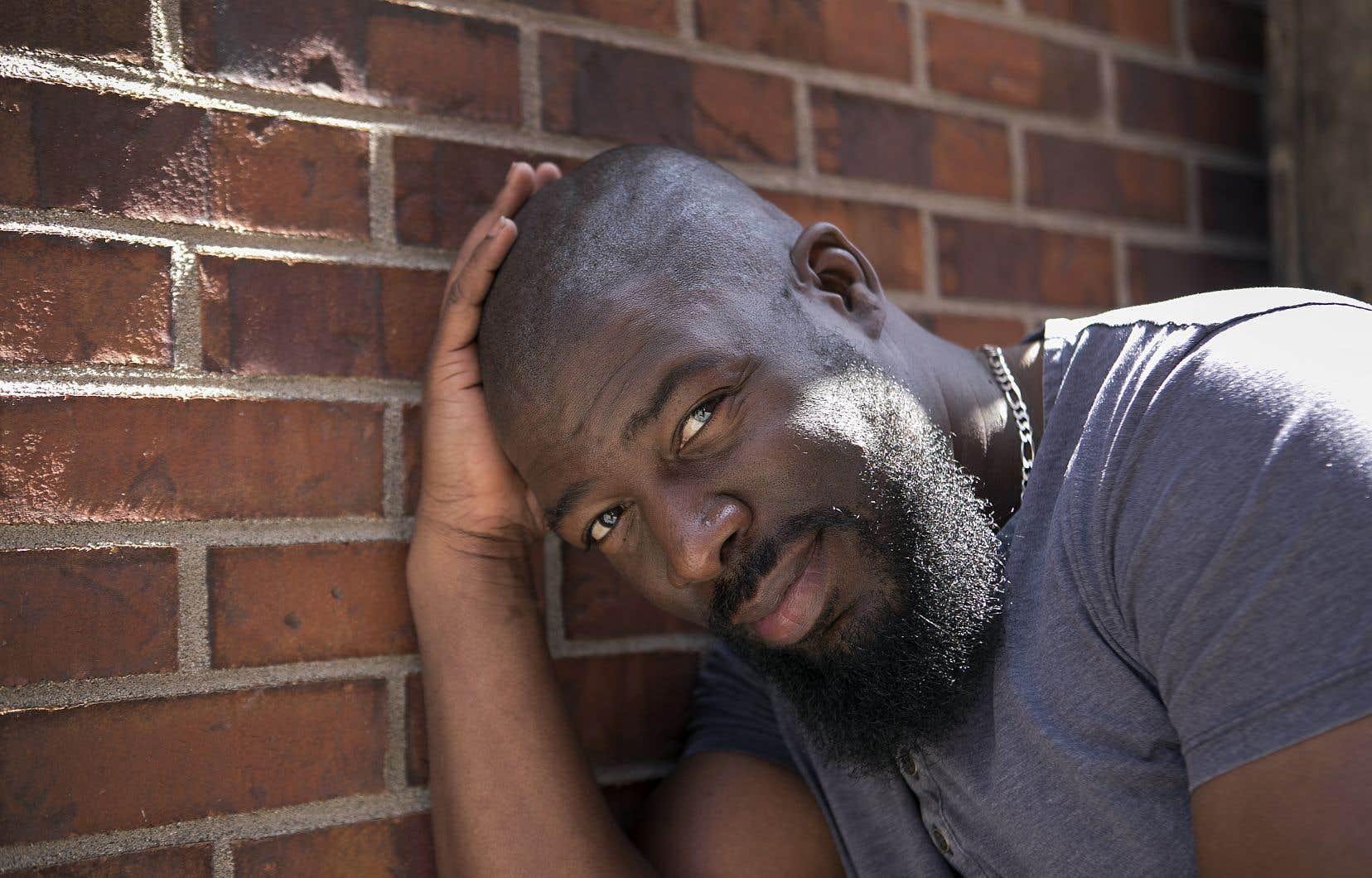 L'auteur, compositeur et rappeur Dramatik. C'est lui, le Phénix du titre de ce nouveau disque auquel collaborent notamment FouKi, la chanteuse soul-jazz montréalaise Malika Tirolien et ses amis de Muzion.