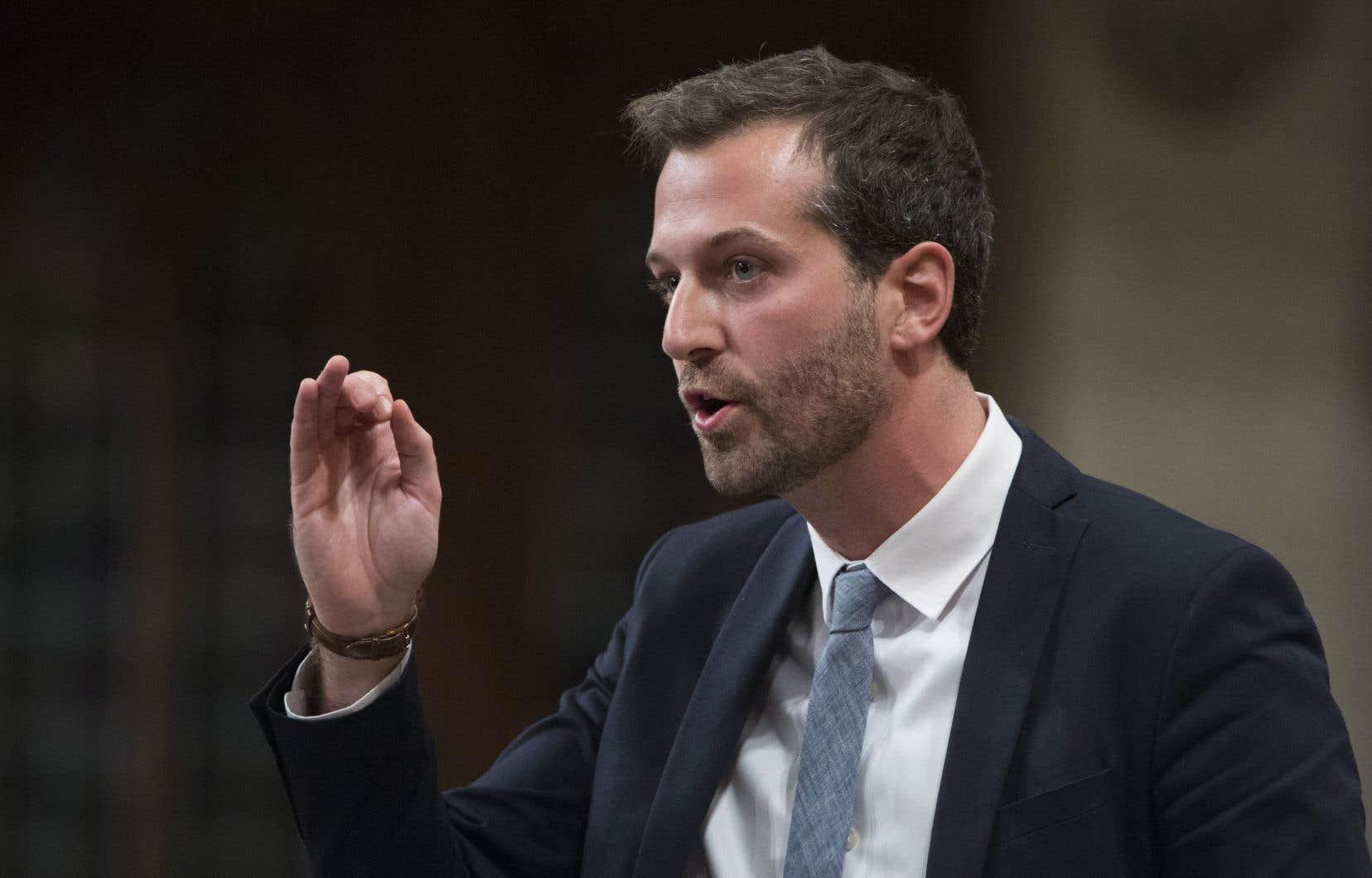 Le député fédéral de Louis-Hébert, Joël Lightbound, s'est porté à la défense du projet de tramway de Québec.