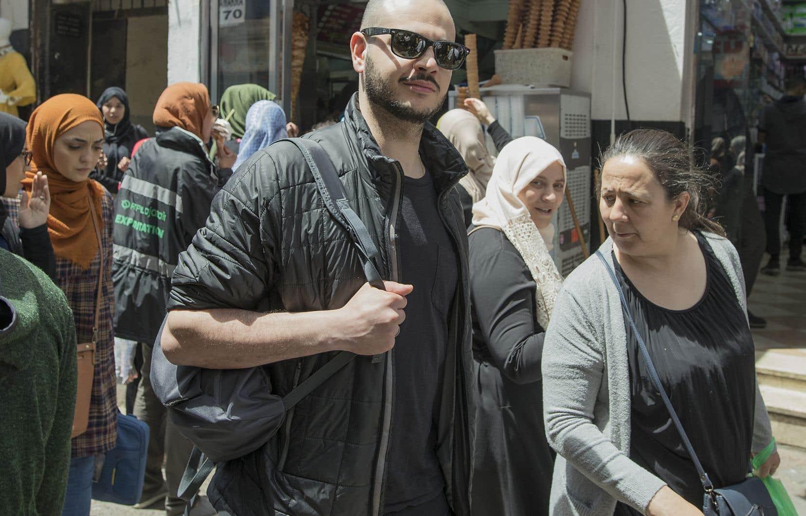 Le Québécois d'origine algérienne Mehdi Amir vit depuis l'âge de dix ans à Rimouski. Pour la première fois depuis 19 ans, il est retourné dans son pays natal.